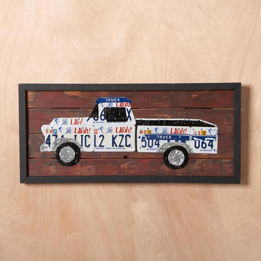 LICENSE PLATE TRUCK WALL ART