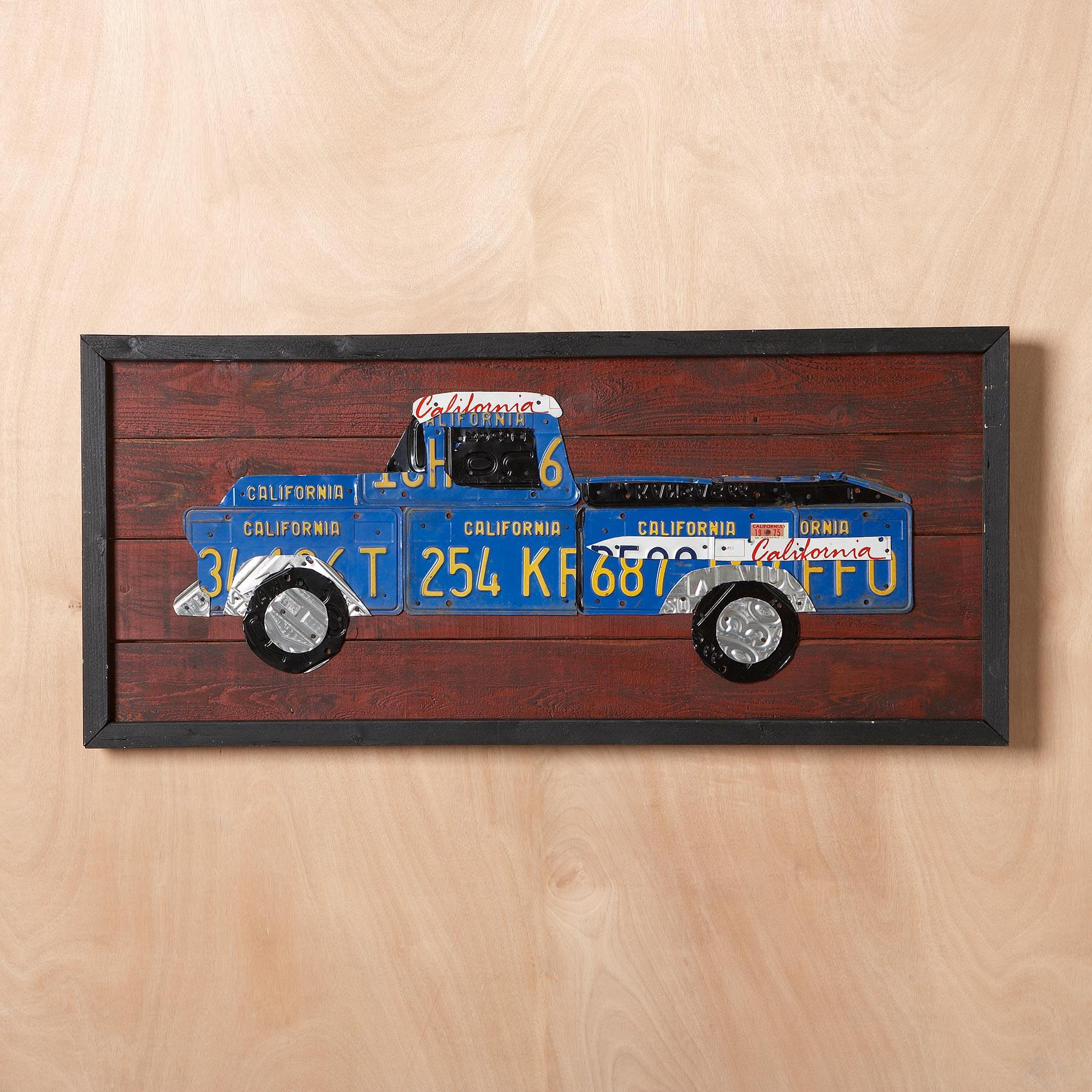 LICENSE PLATE TRUCK WALL ART: View 3