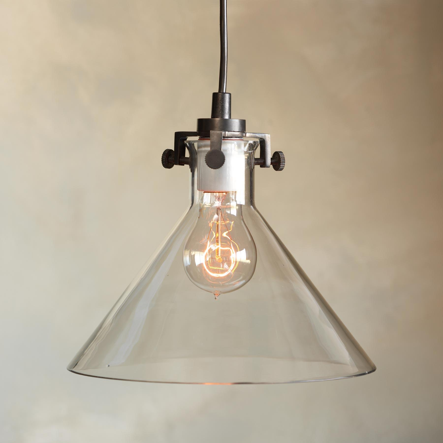 MERIDIAN SINGLE PENDANT LIGHT: View 1