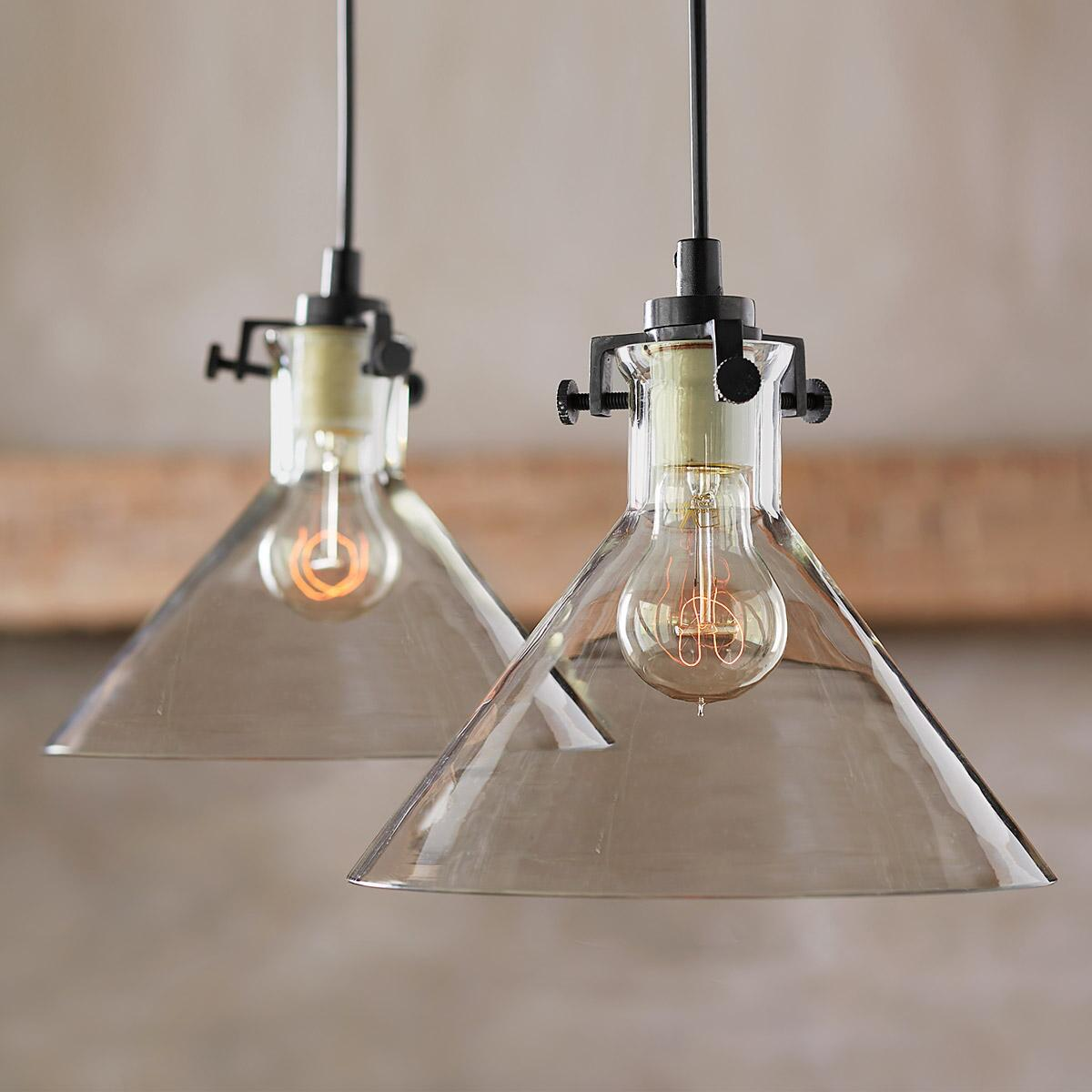 MERIDIAN SINGLE PENDANT LIGHT: View 2