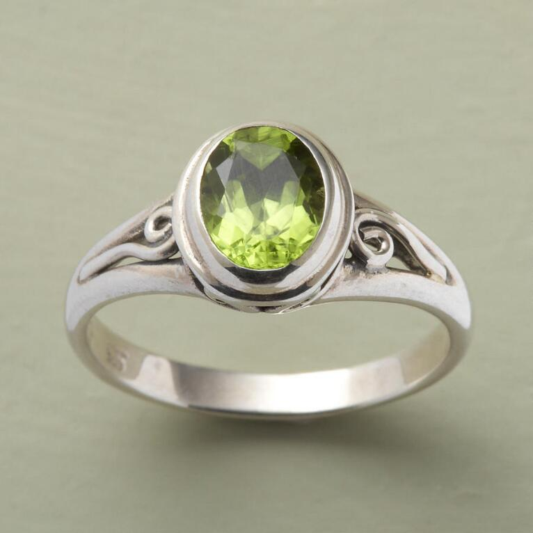 SCROLLED PERIDOT RING