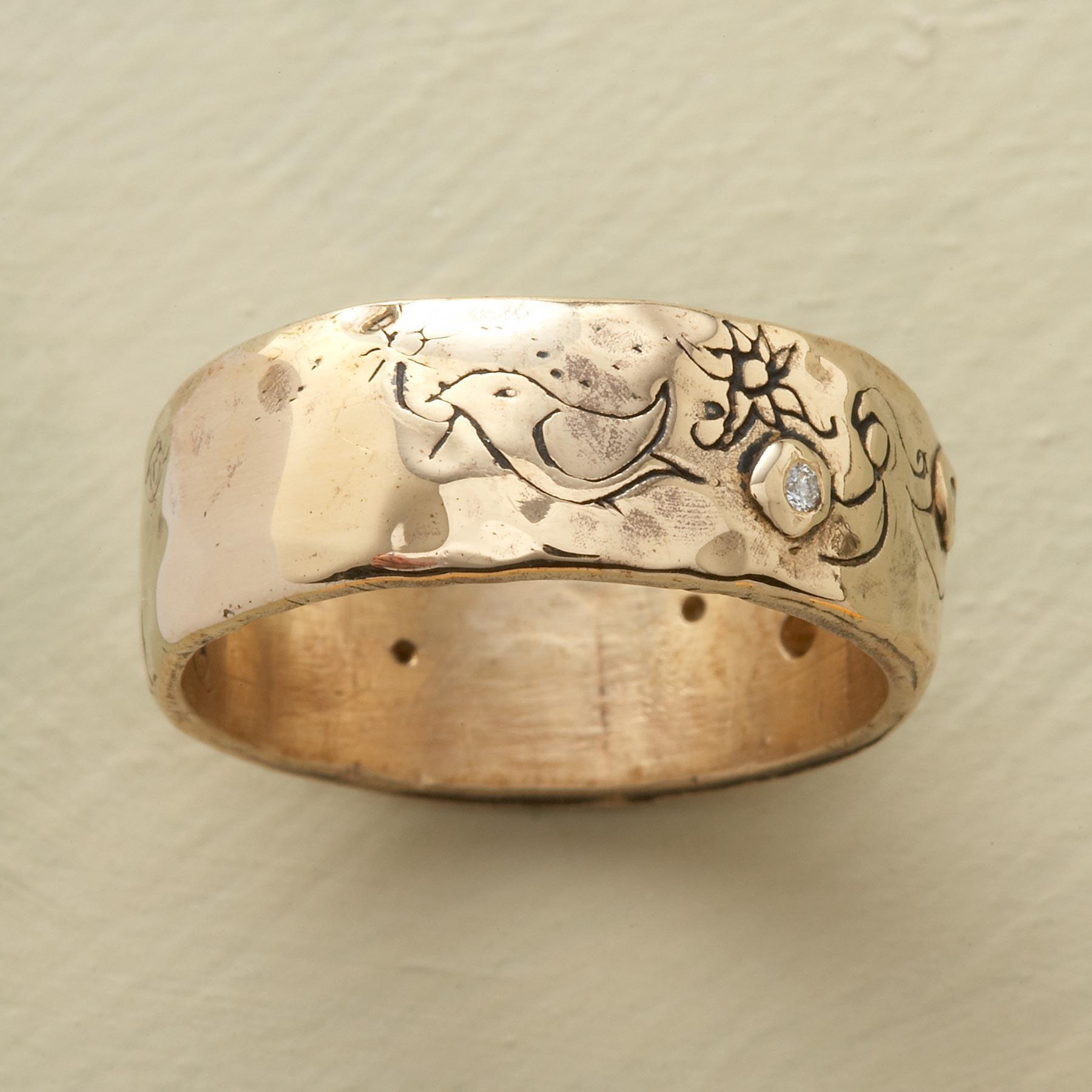 YELLOW GOLD INFINITE LOVE RING: View 3