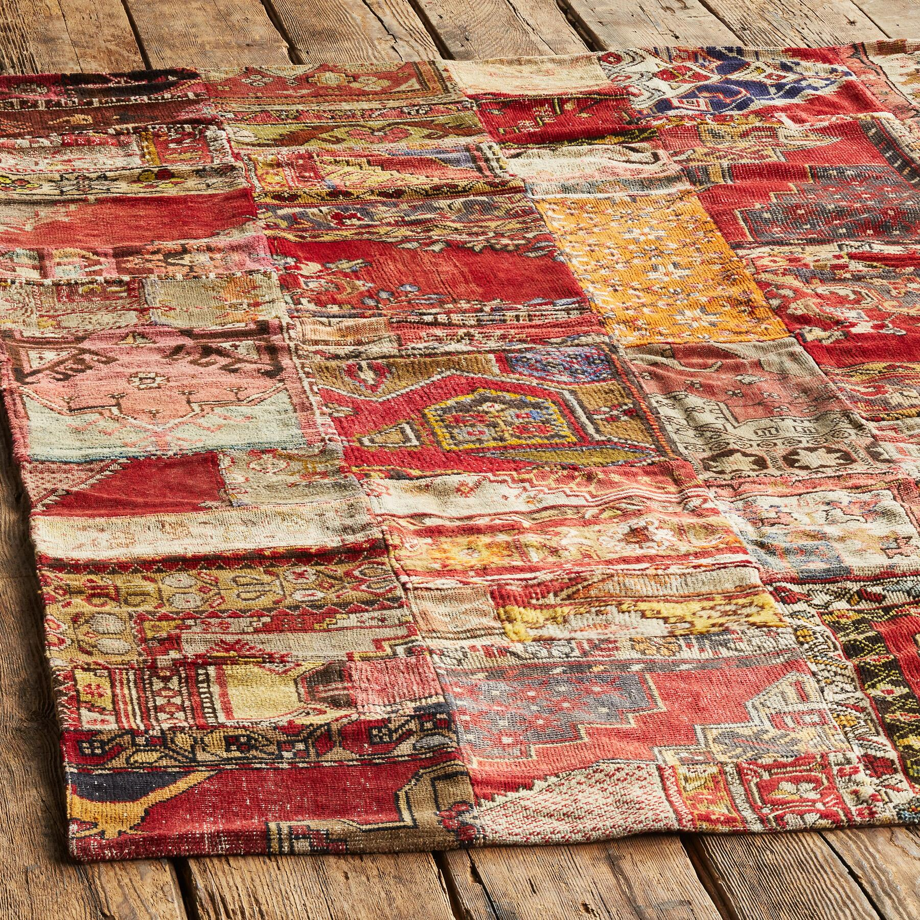 VINTAGE AMARNA PATCHWORK HAND KNOTTED RUG: View 2