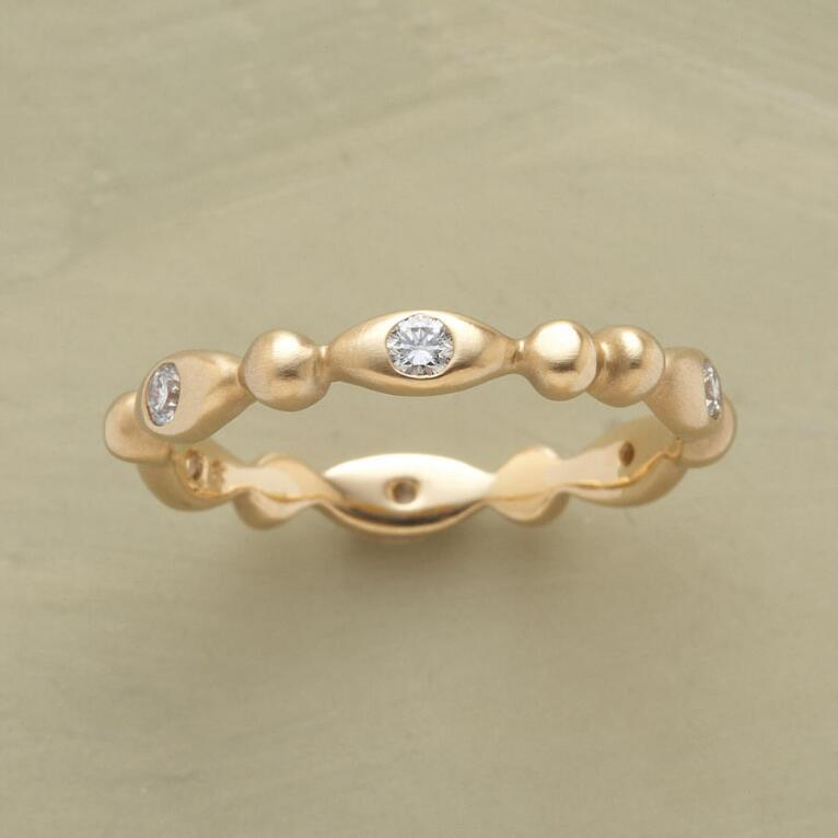 18KT GOLD DIAMOND SEED RING