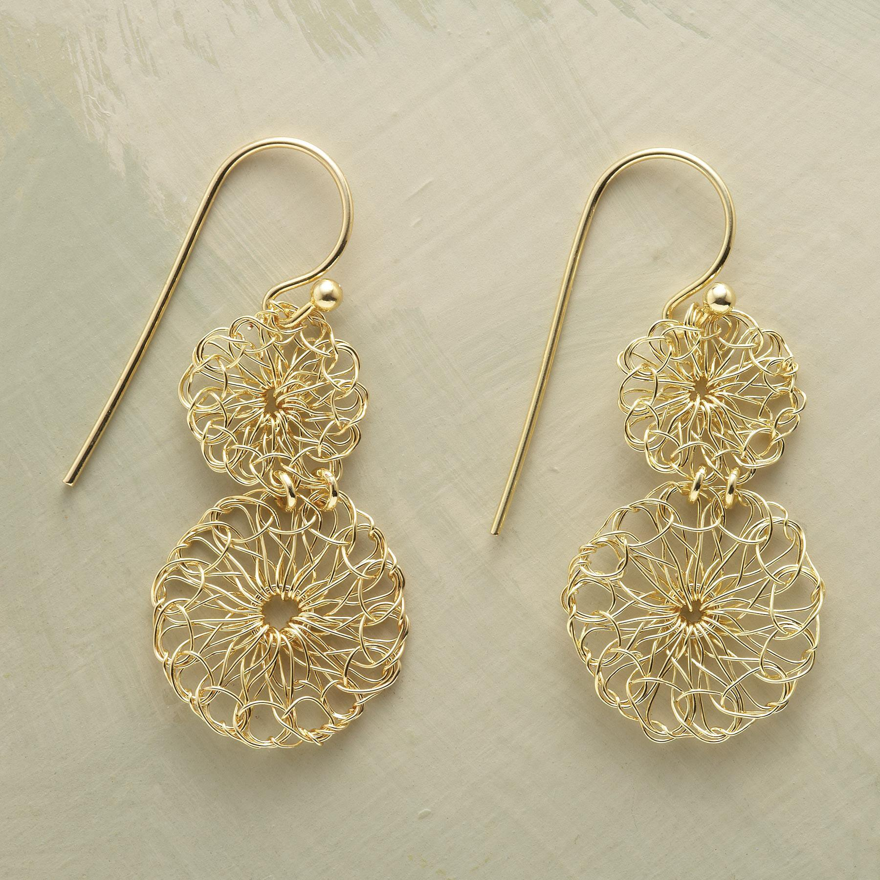 LACEMAKER'S EARRINGS: View 1