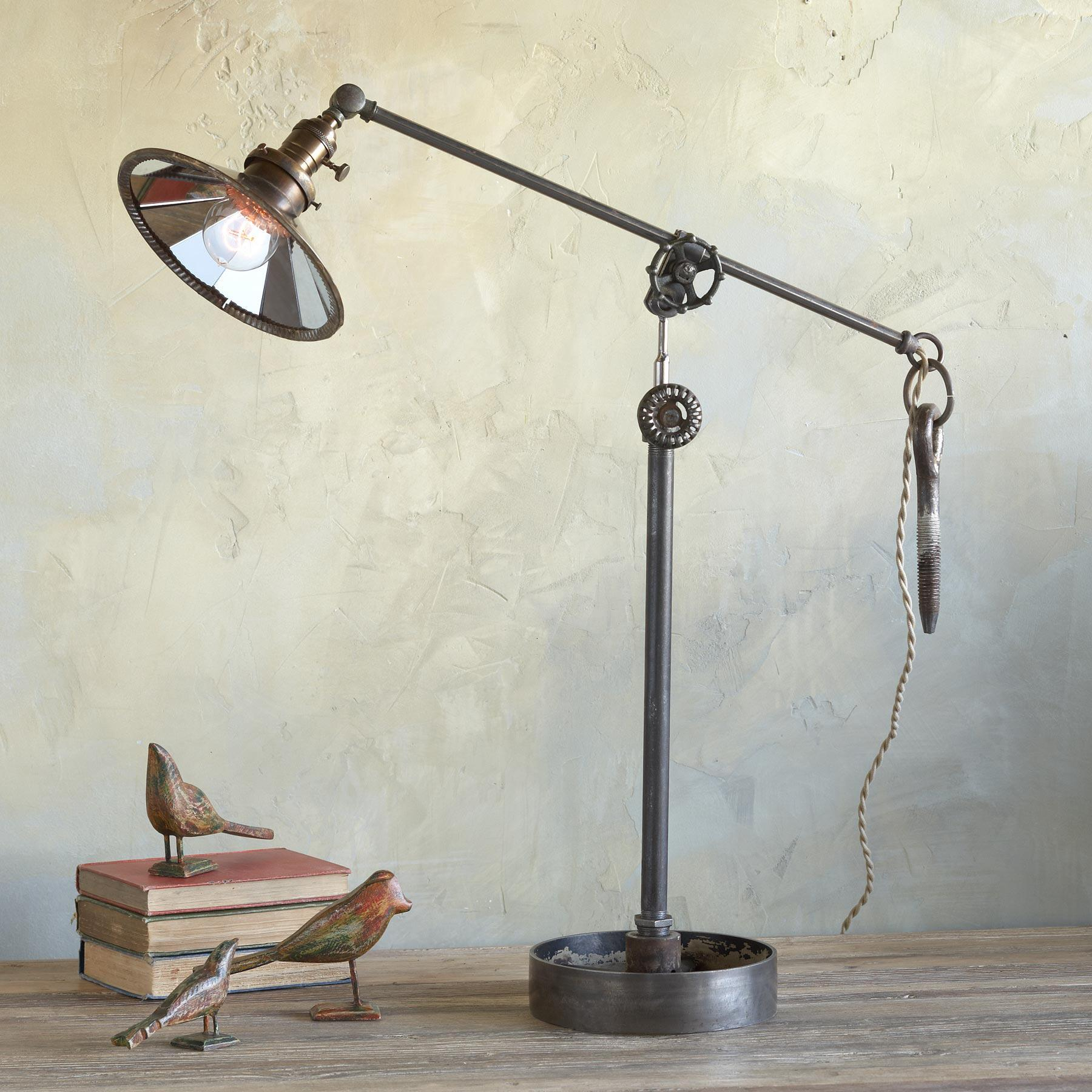 BELMONT TABLE LAMP: View 1