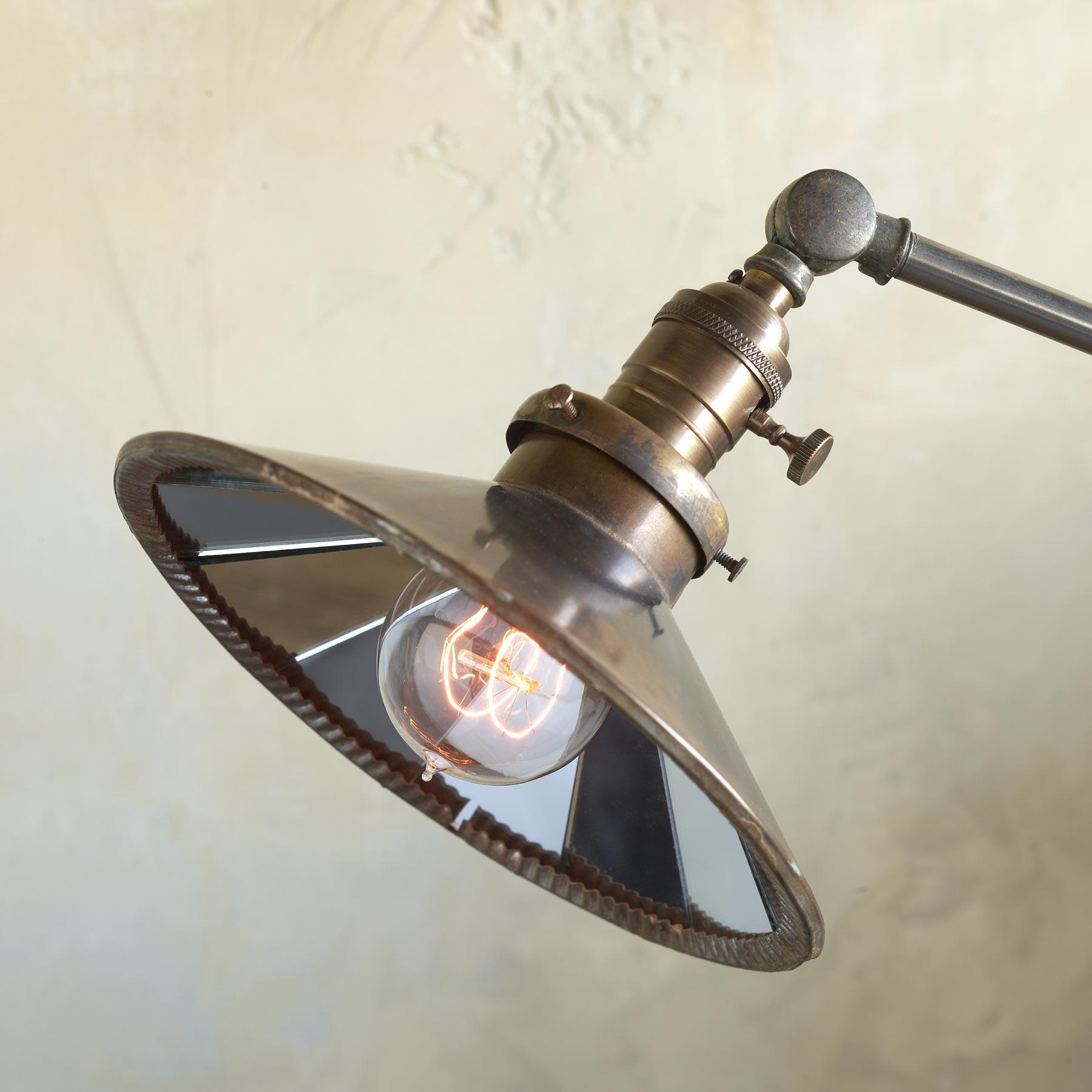 BELMONT TABLE LAMP: View 2