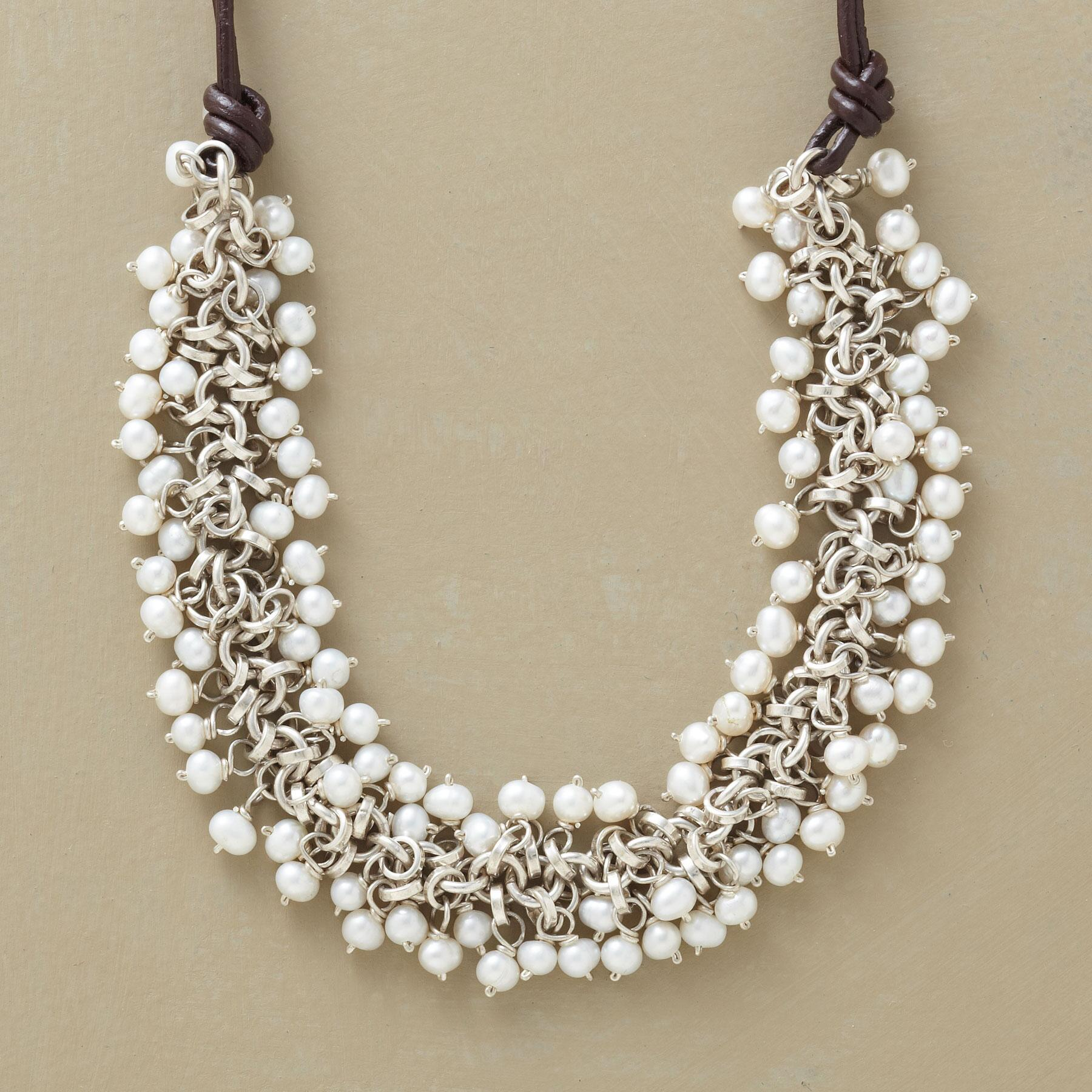 PRESENT-DAY PEARL NECKLACE: View 1