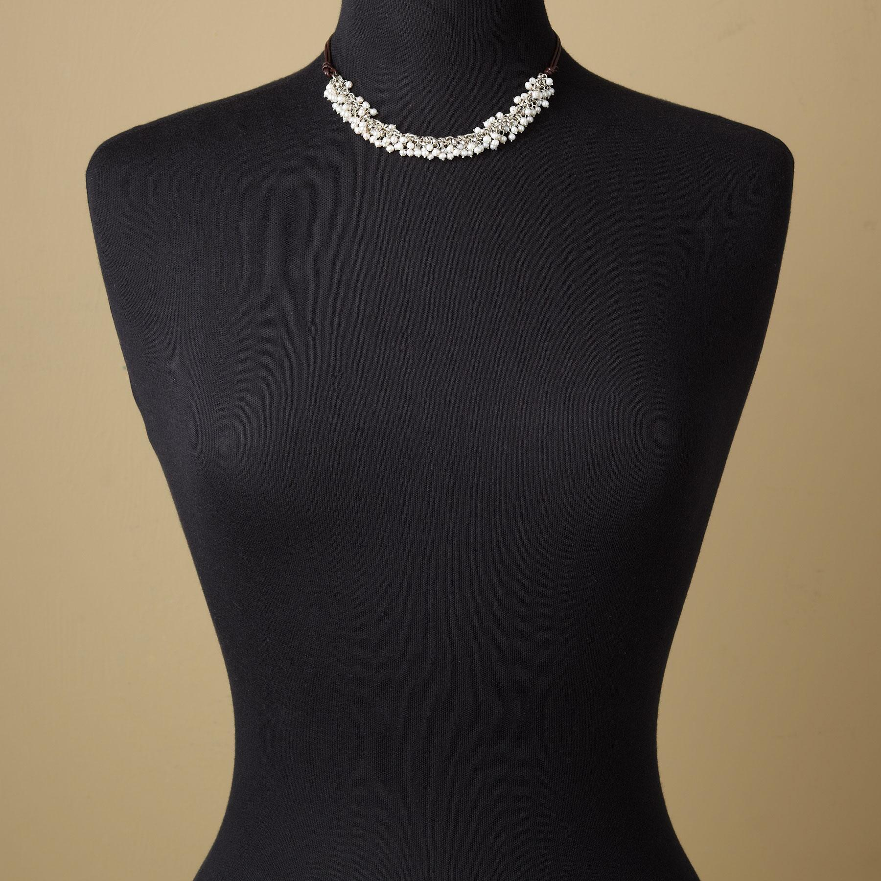 PRESENT-DAY PEARL NECKLACE: View 4