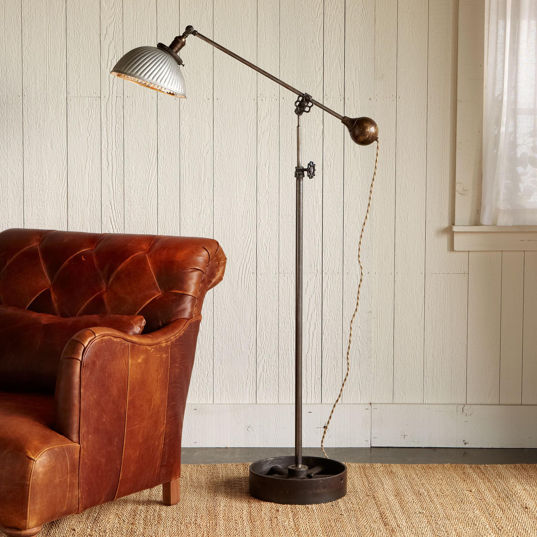 VINTAGE SILVER MERCURY FLOOR LAMP: View 1