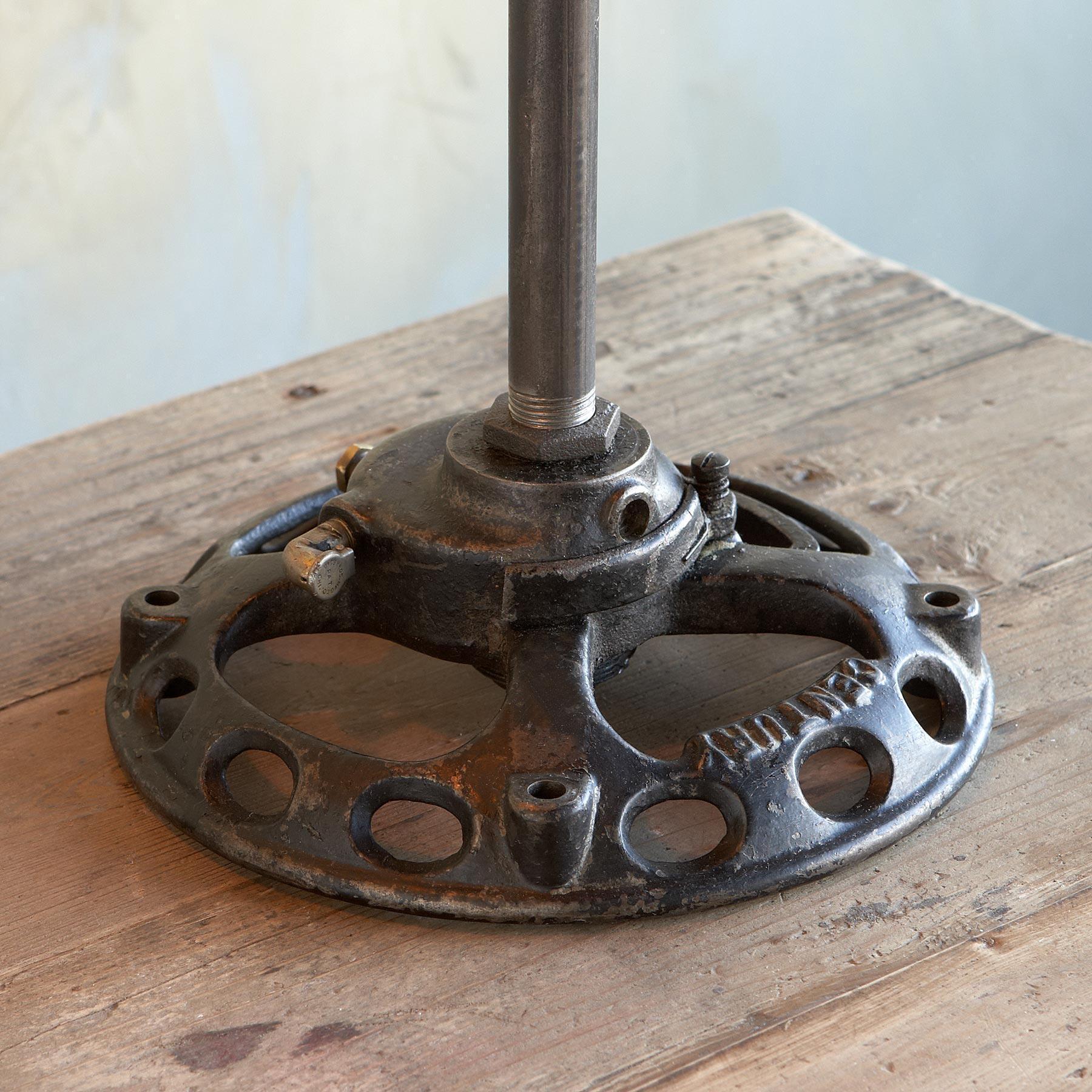 YULETIDE TABLE LAMP: View 4
