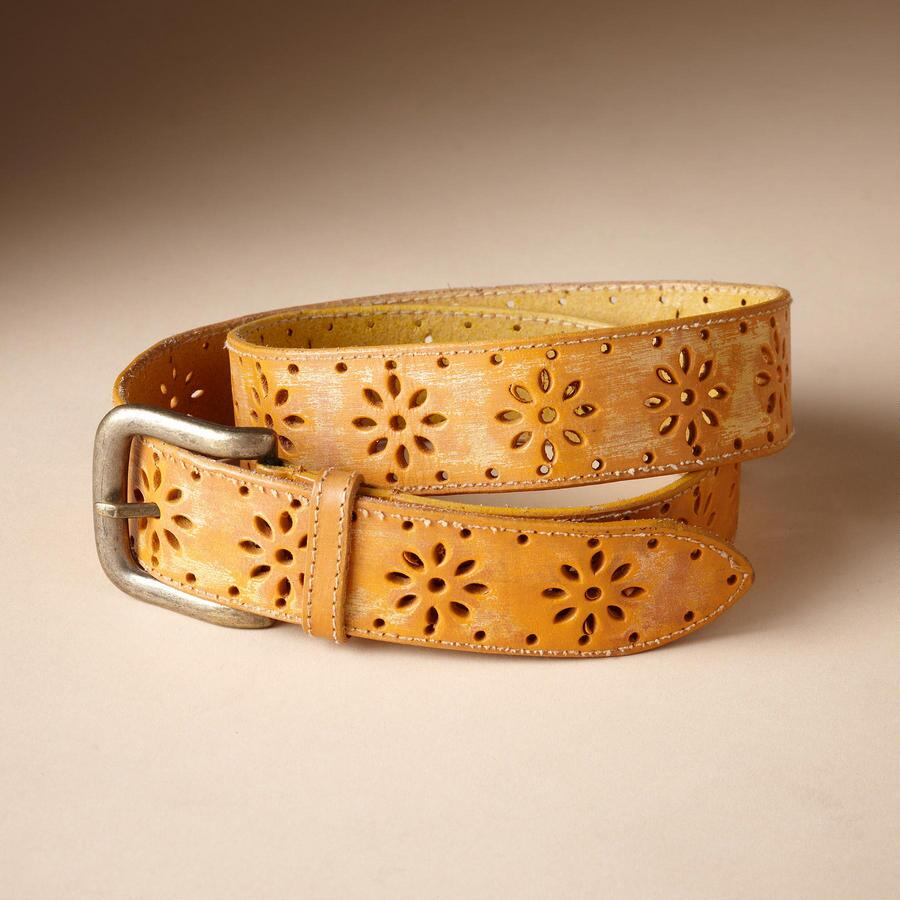 DAISY CUT-OUT BELT