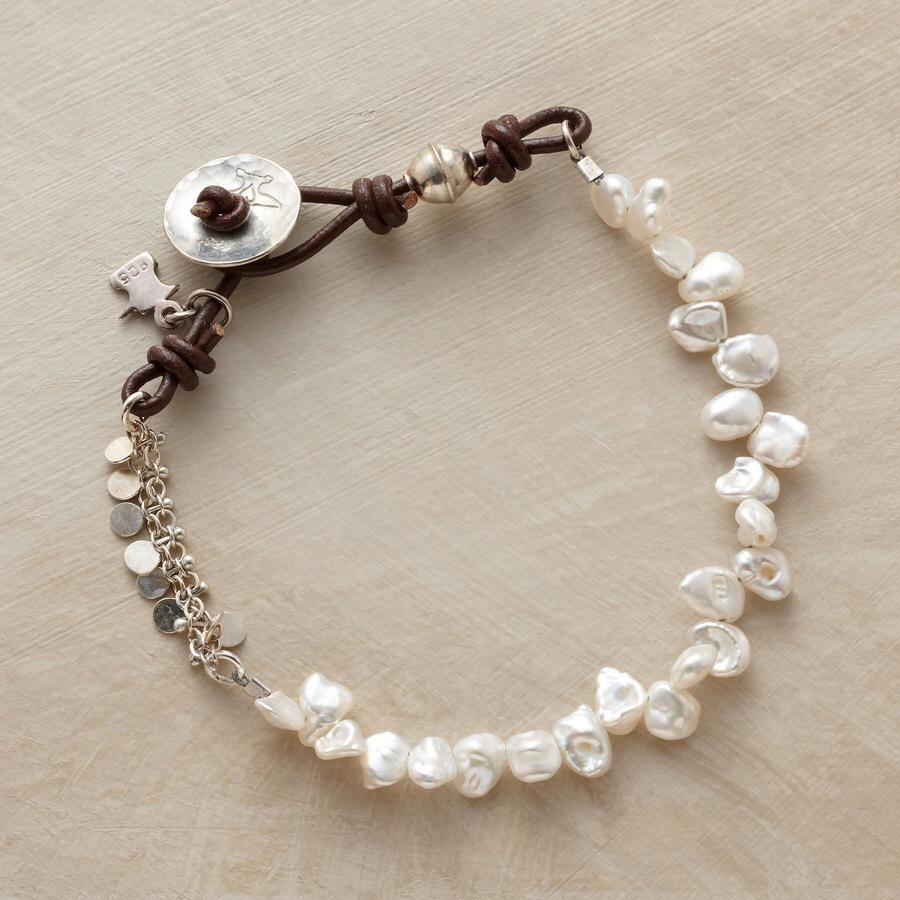 STREAM OF PEARLS BRACELET