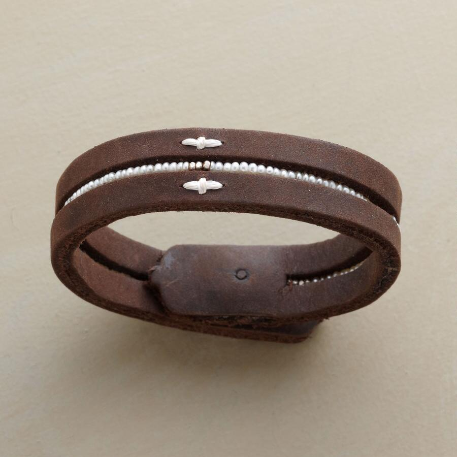 PEARL POLISHED LEATHER BRACELET
