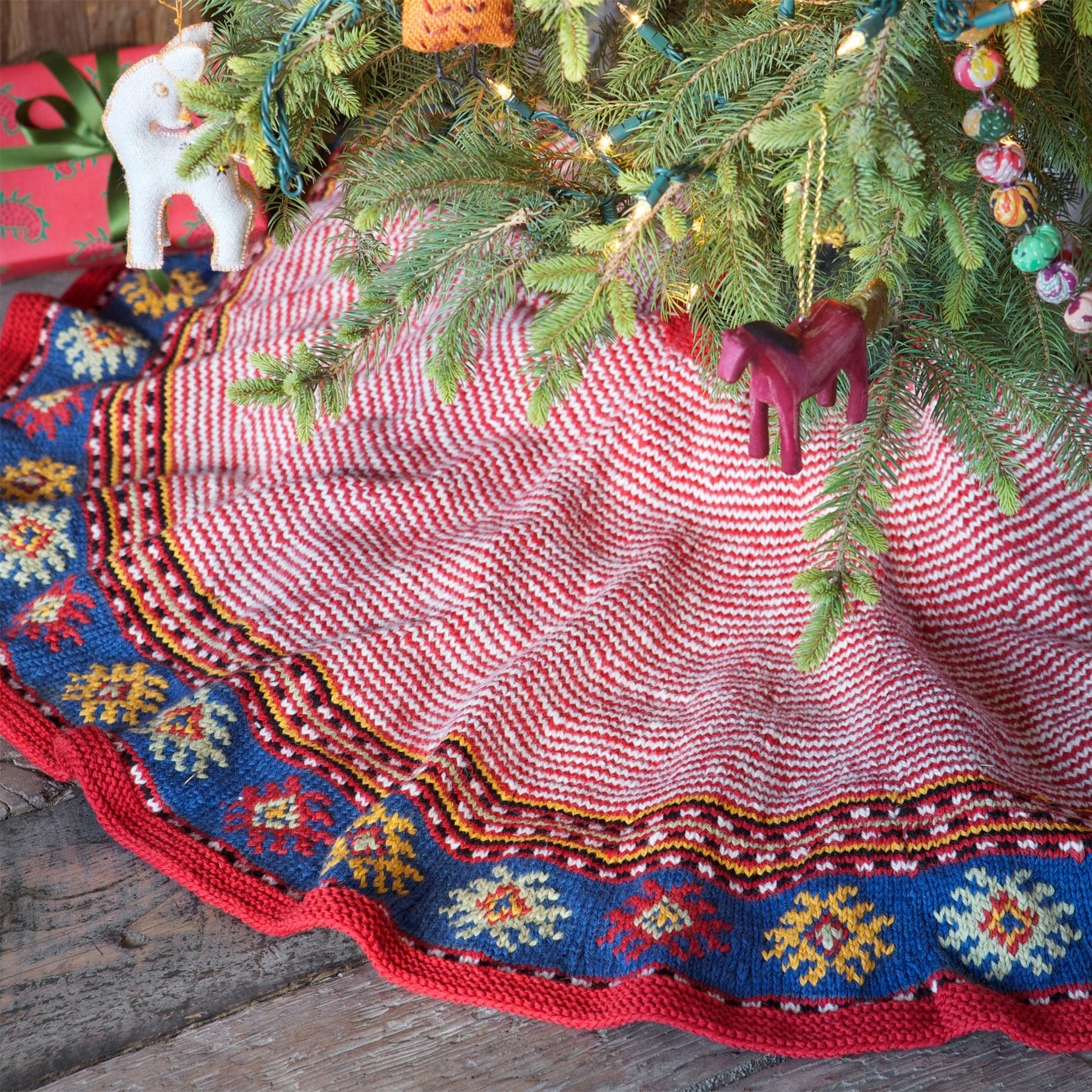 HEIRLOOM CANDY CANE TREE SKIRT: View 1
