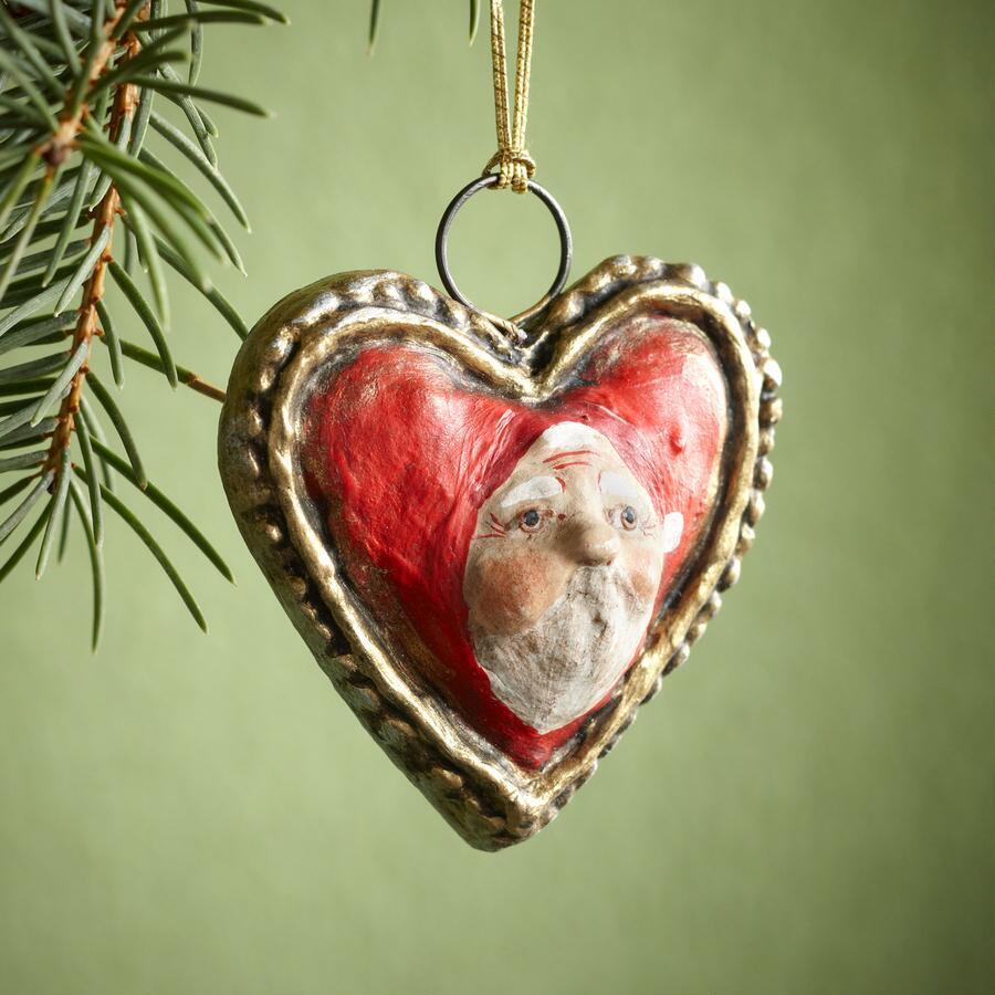ANTIQUE HEART W/ SANTA FACE