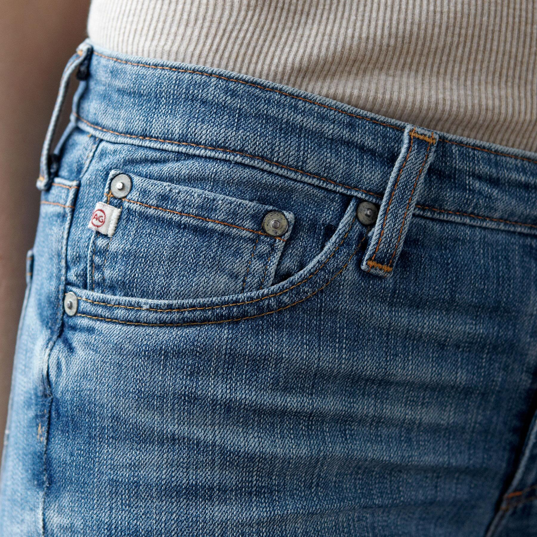 A G PREMIERE SKINNY IN 18 YEAR WASH JEANS: View 4