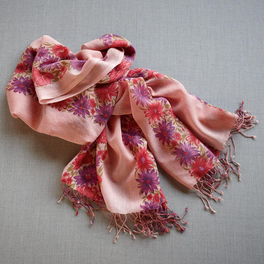 WINTER BOUQUET SHAWL