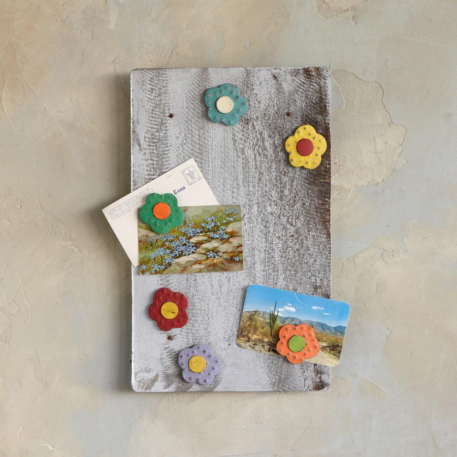 BARN TIN & BLOOMS MAGNETIC BOARD