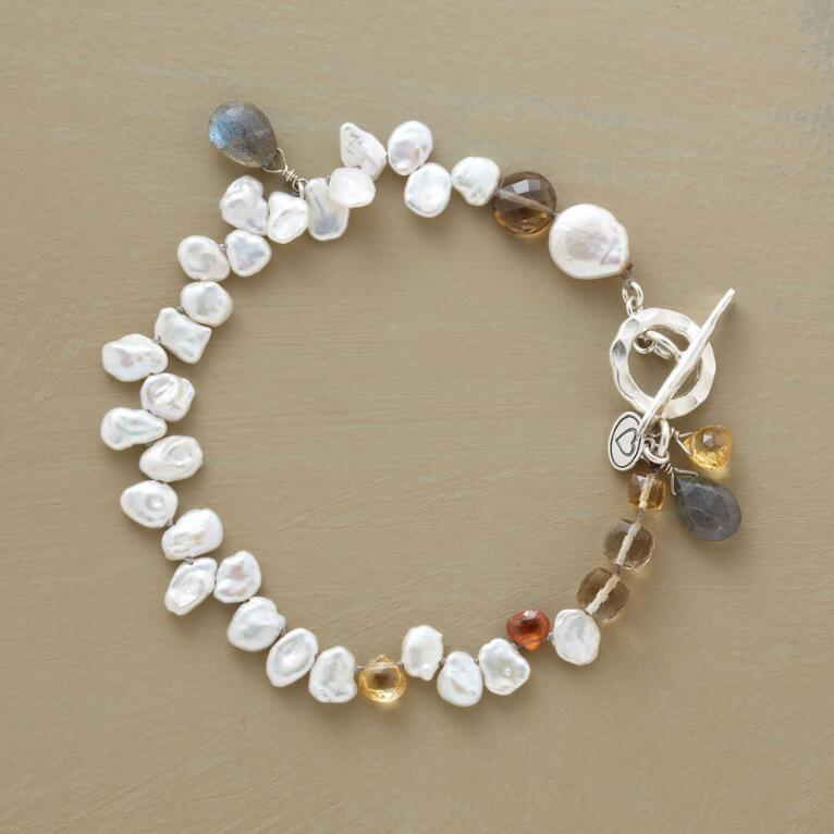 PEARLY PIROUETTES BRACELET