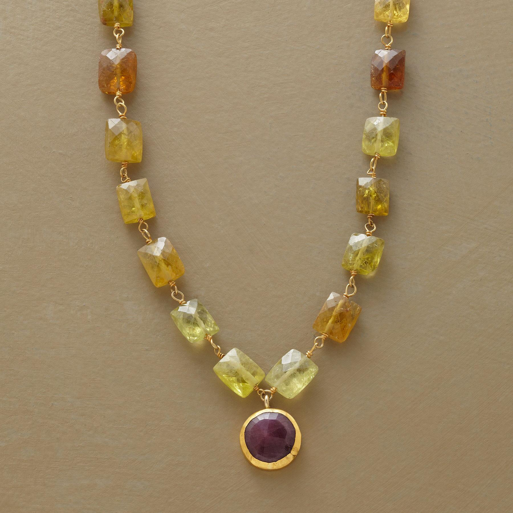 GLORIOUS GREEN GARNET NECKLACE: View 1