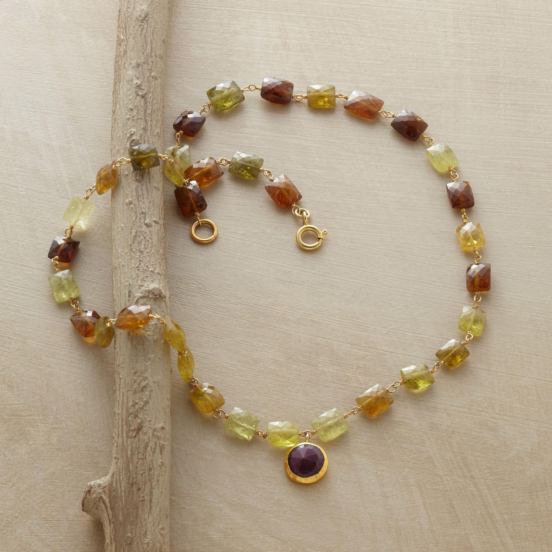 GLORIOUS GREEN GARNET NECKLACE: View 2