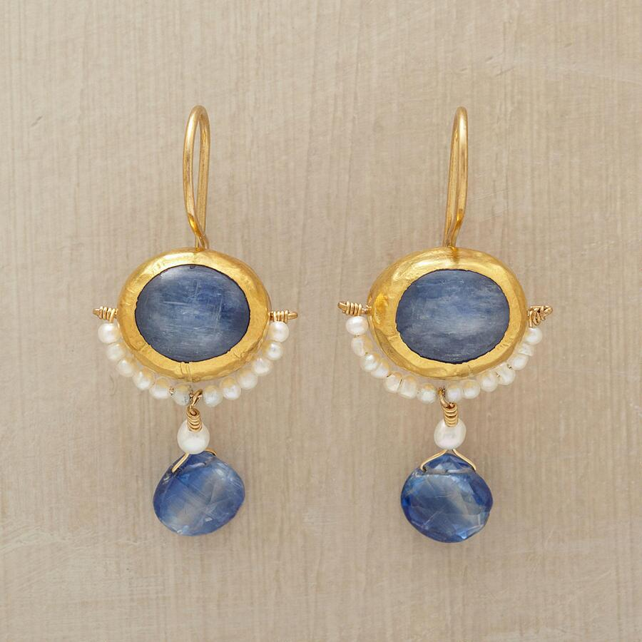 MOONSHADOW EARRINGS