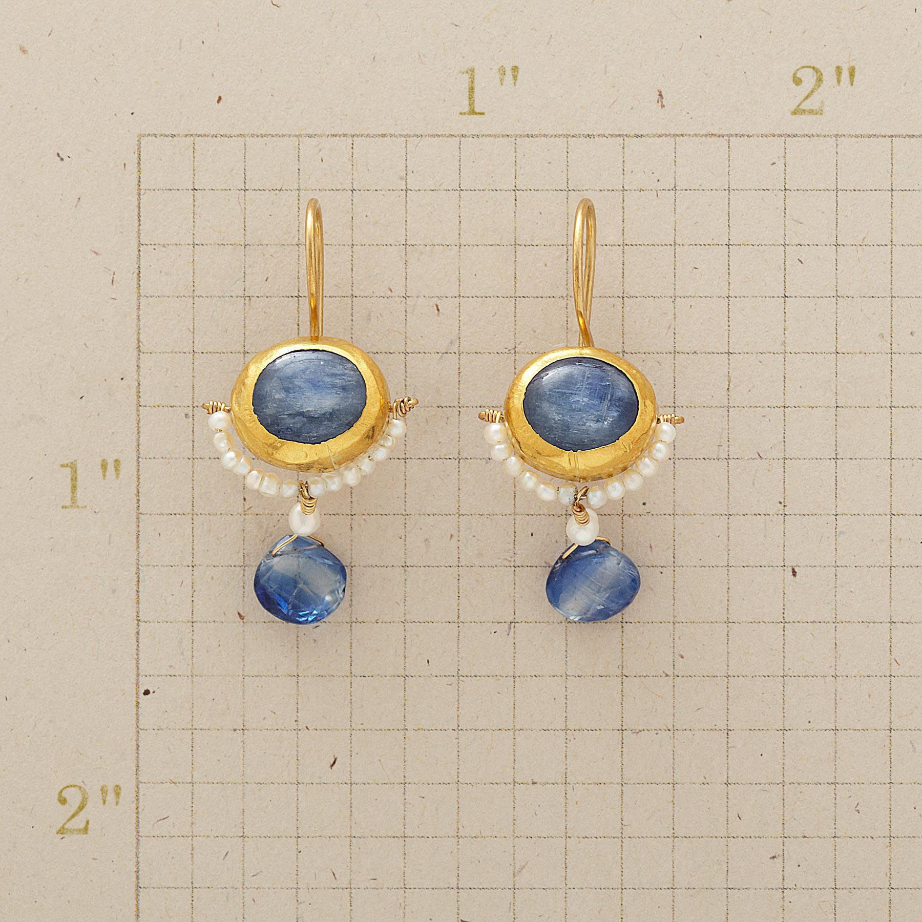 MOONSHADOW EARRINGS: View 2
