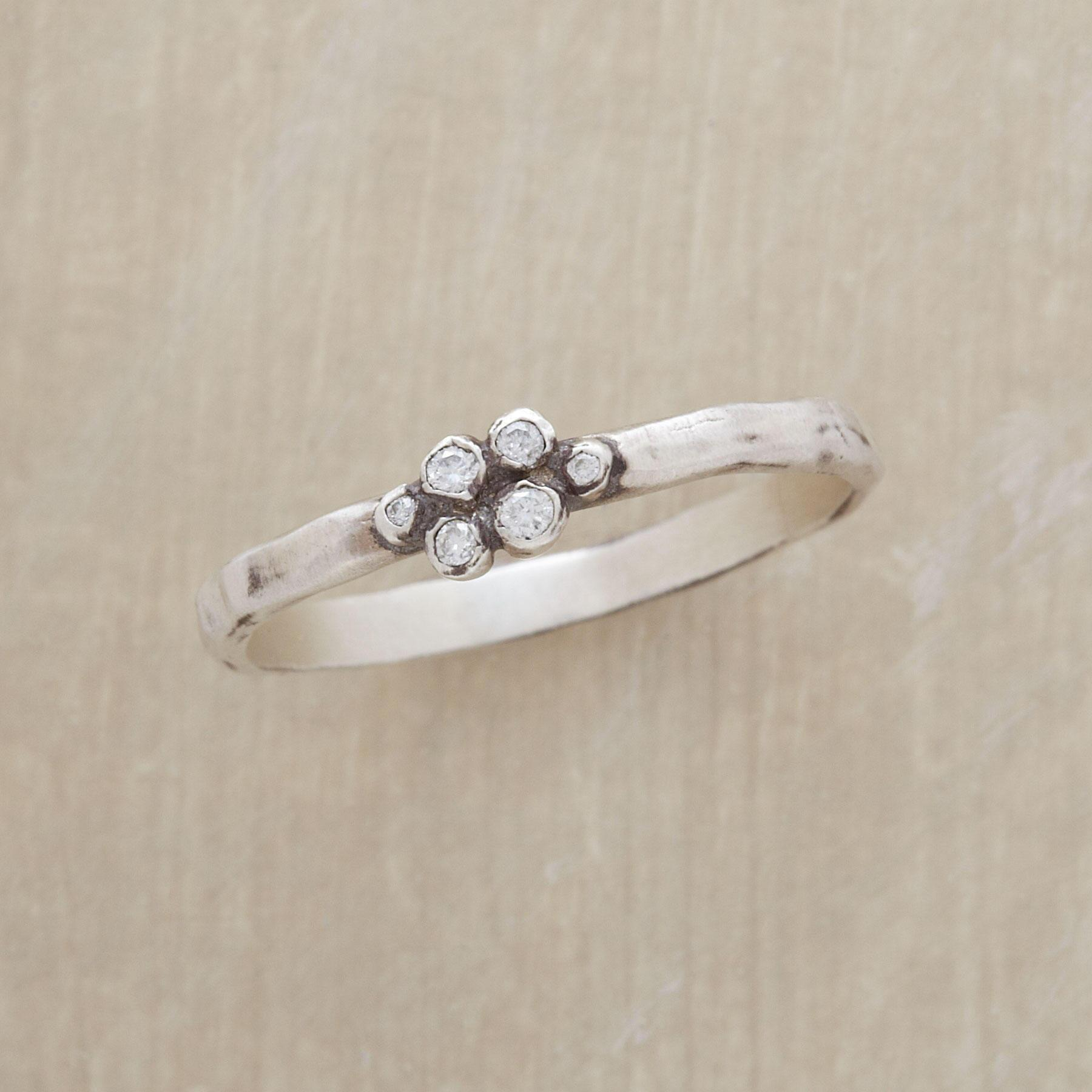 DIAMOND CLUSTER RING: View 1