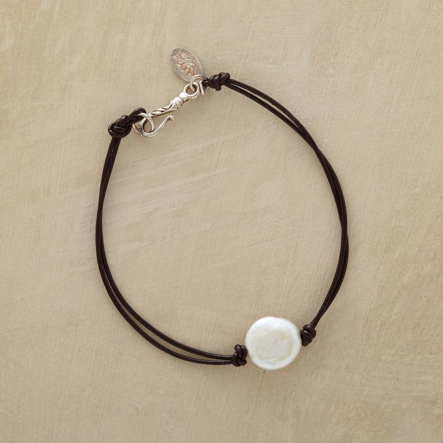 FULL MOON PEARL BRACELET