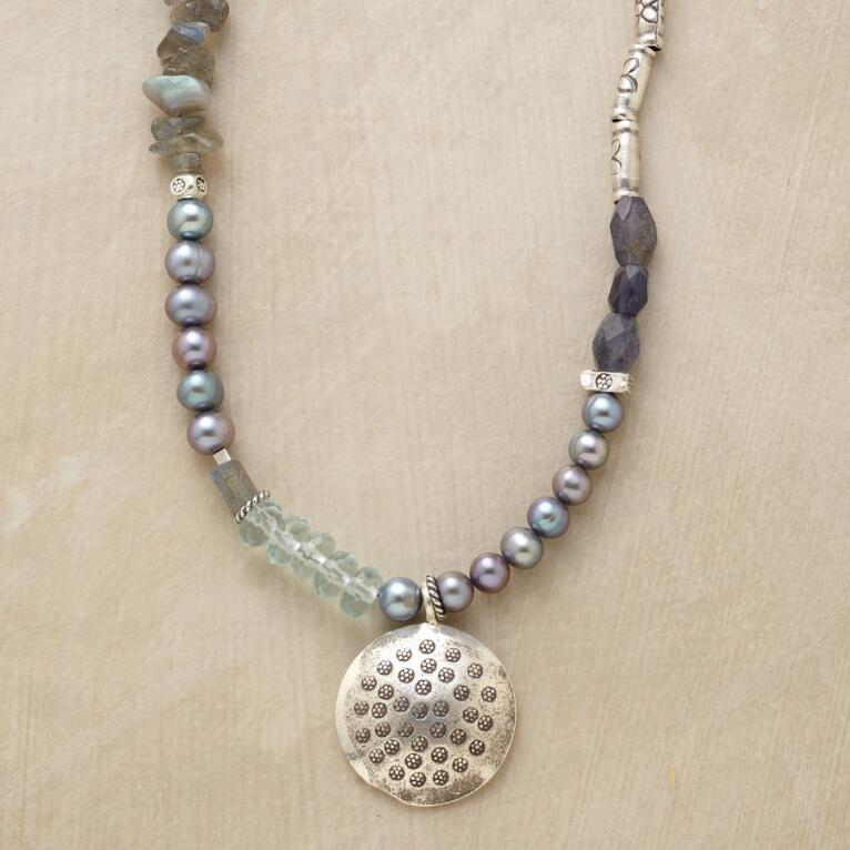 AVIANA NECKLACE