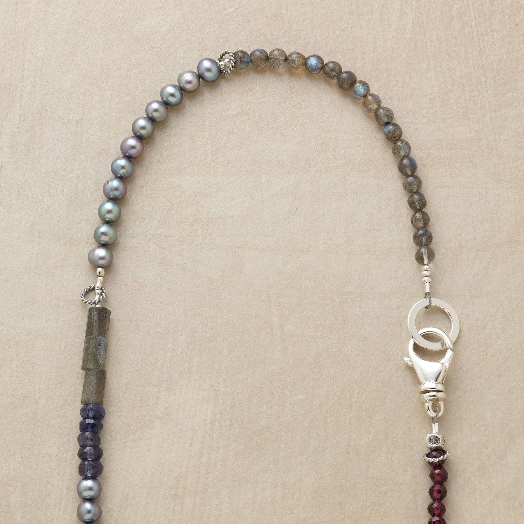 AVIANA NECKLACE: View 3