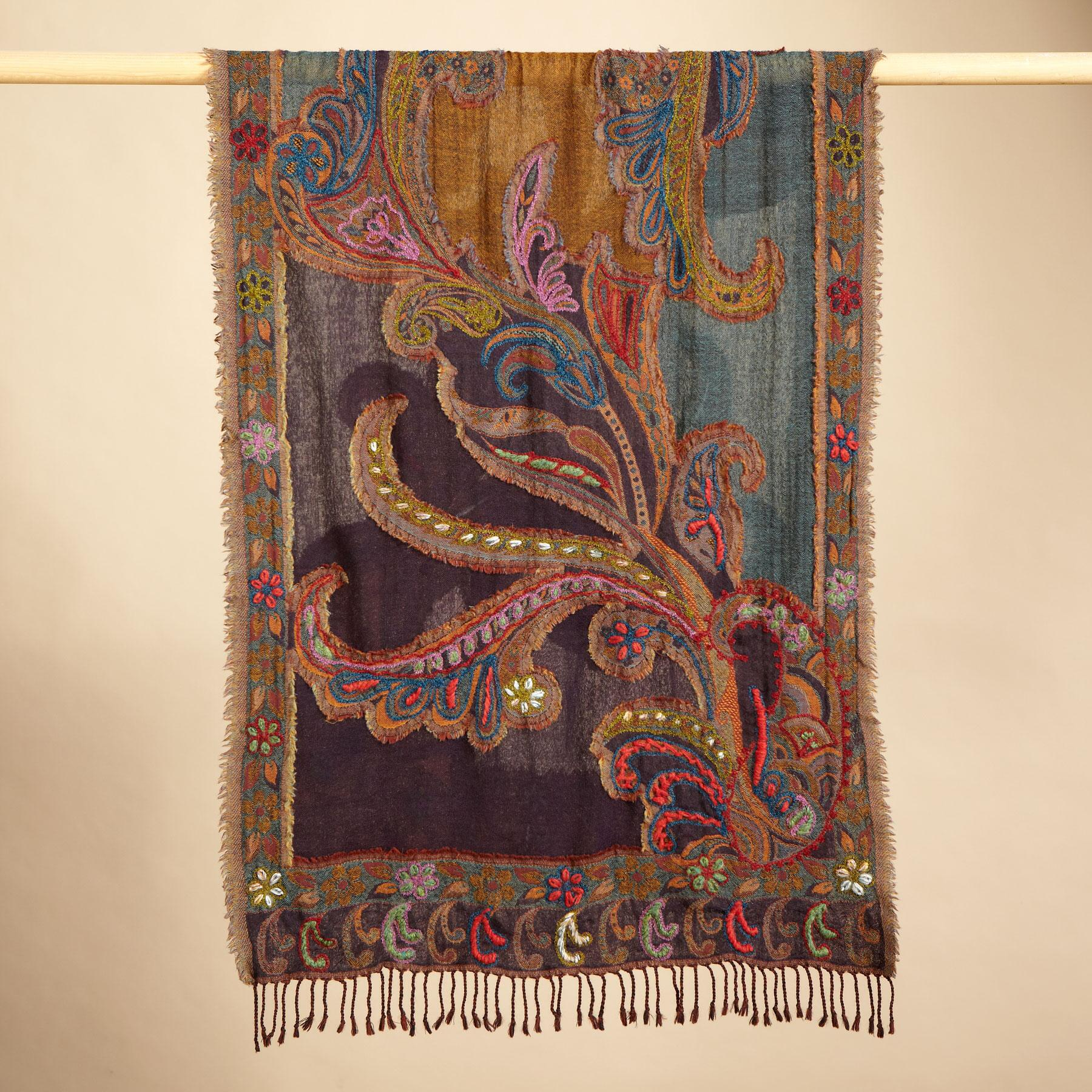 PAISLEY CREWELWORK WOOL SCARF: View 2