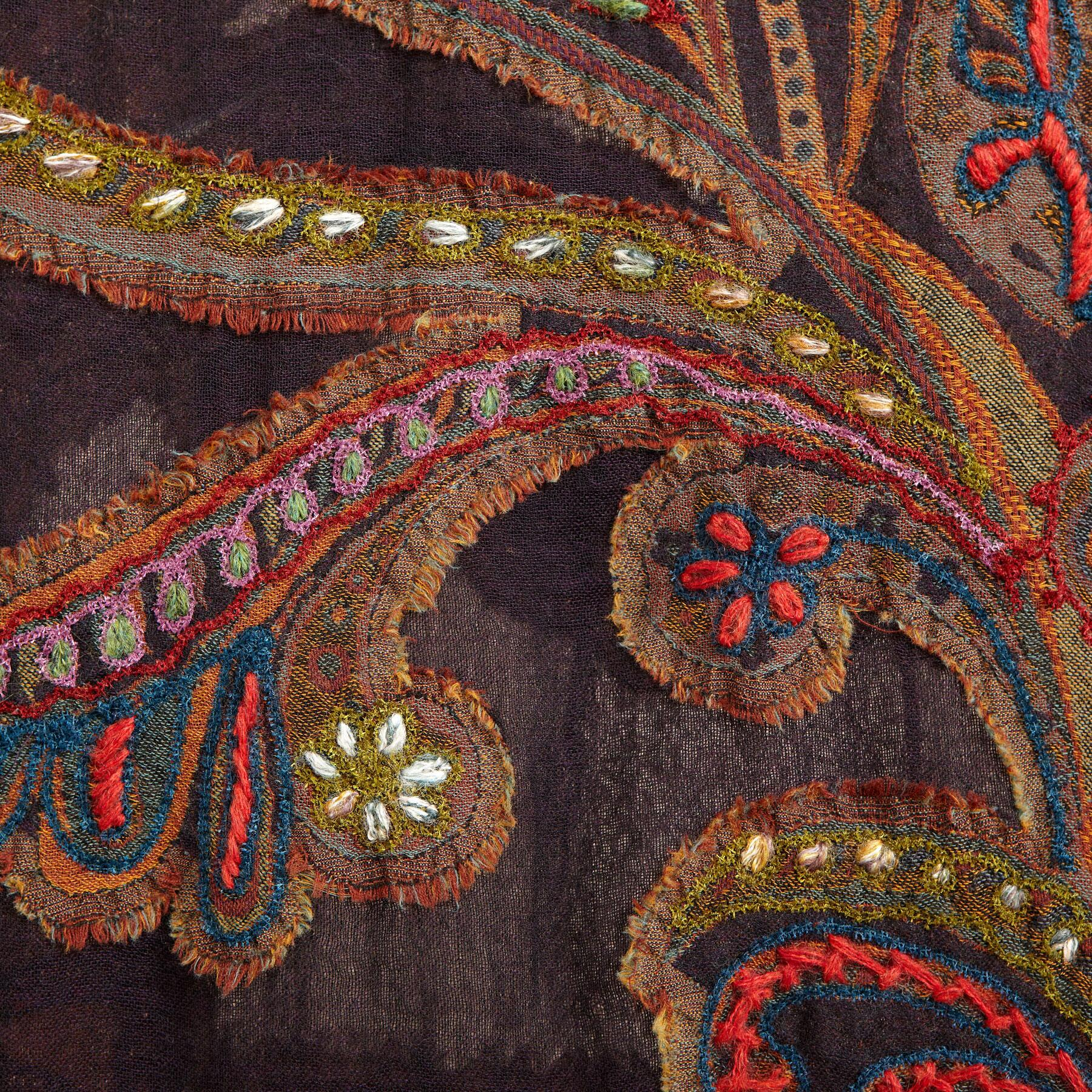 PAISLEY CREWELWORK WOOL SCARF: View 3