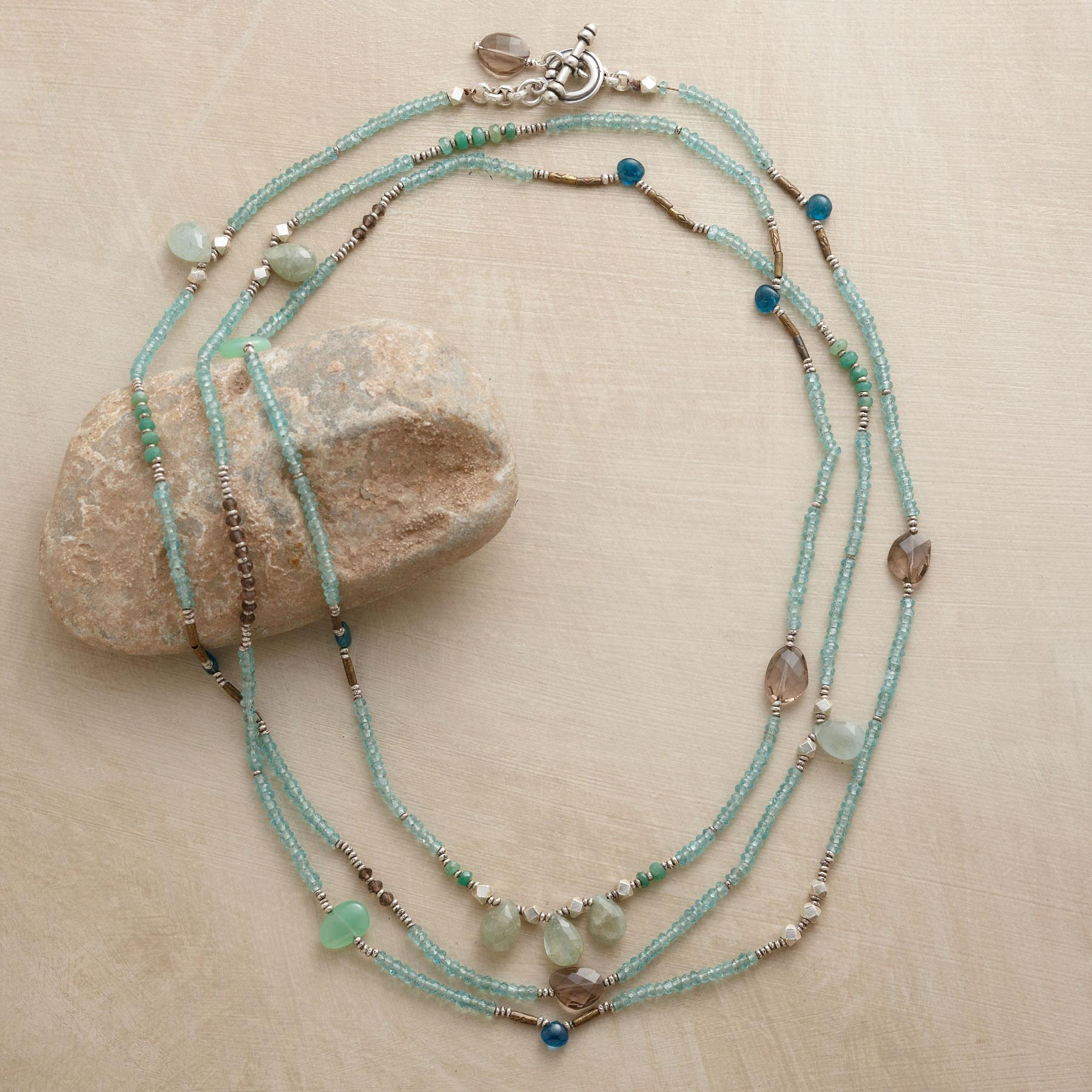 SPRING BREEZE NECKLACE: View 2
