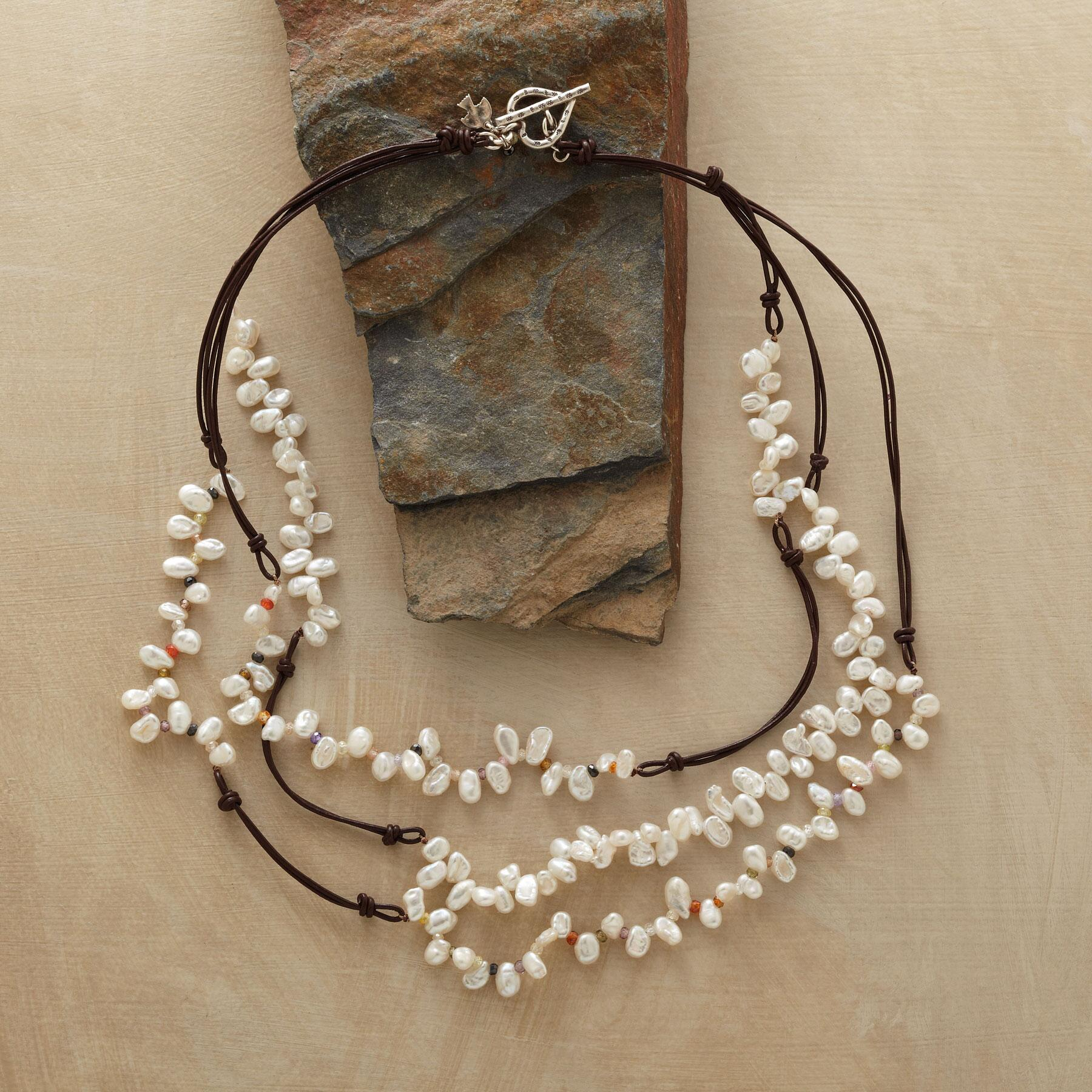 LIVELY PEARL NECKLACE: View 2