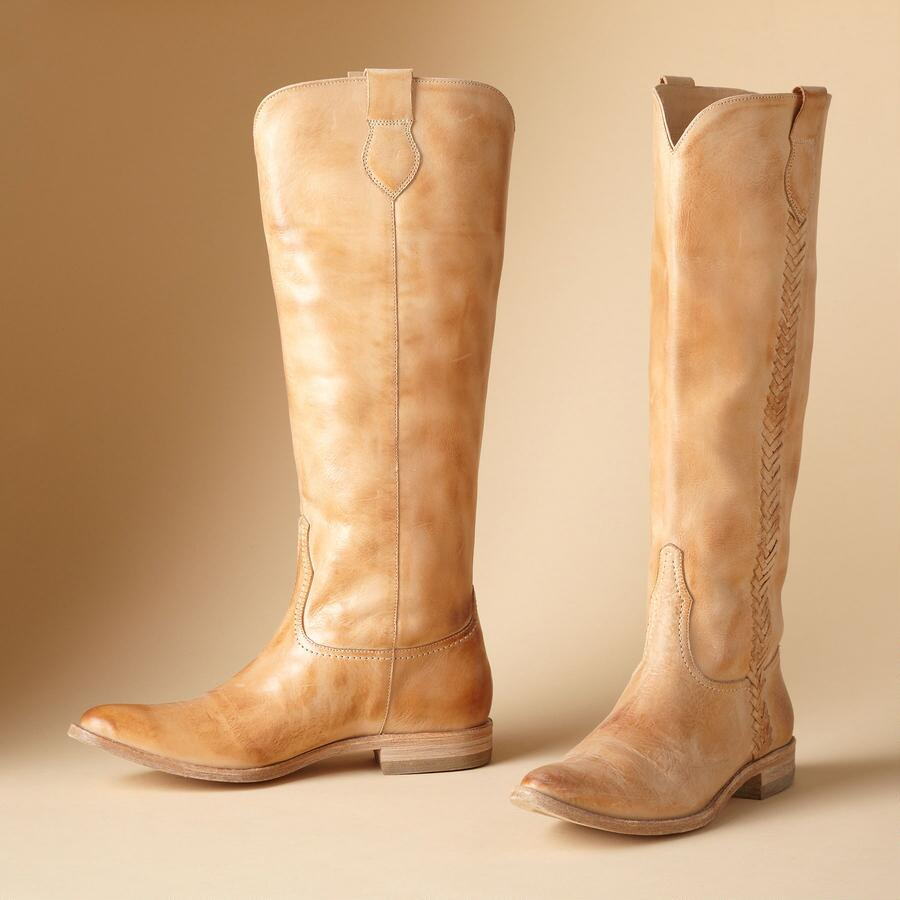 NEUTRAL BOOTS FOR SPRING & SUMMER BY LUCCHESE