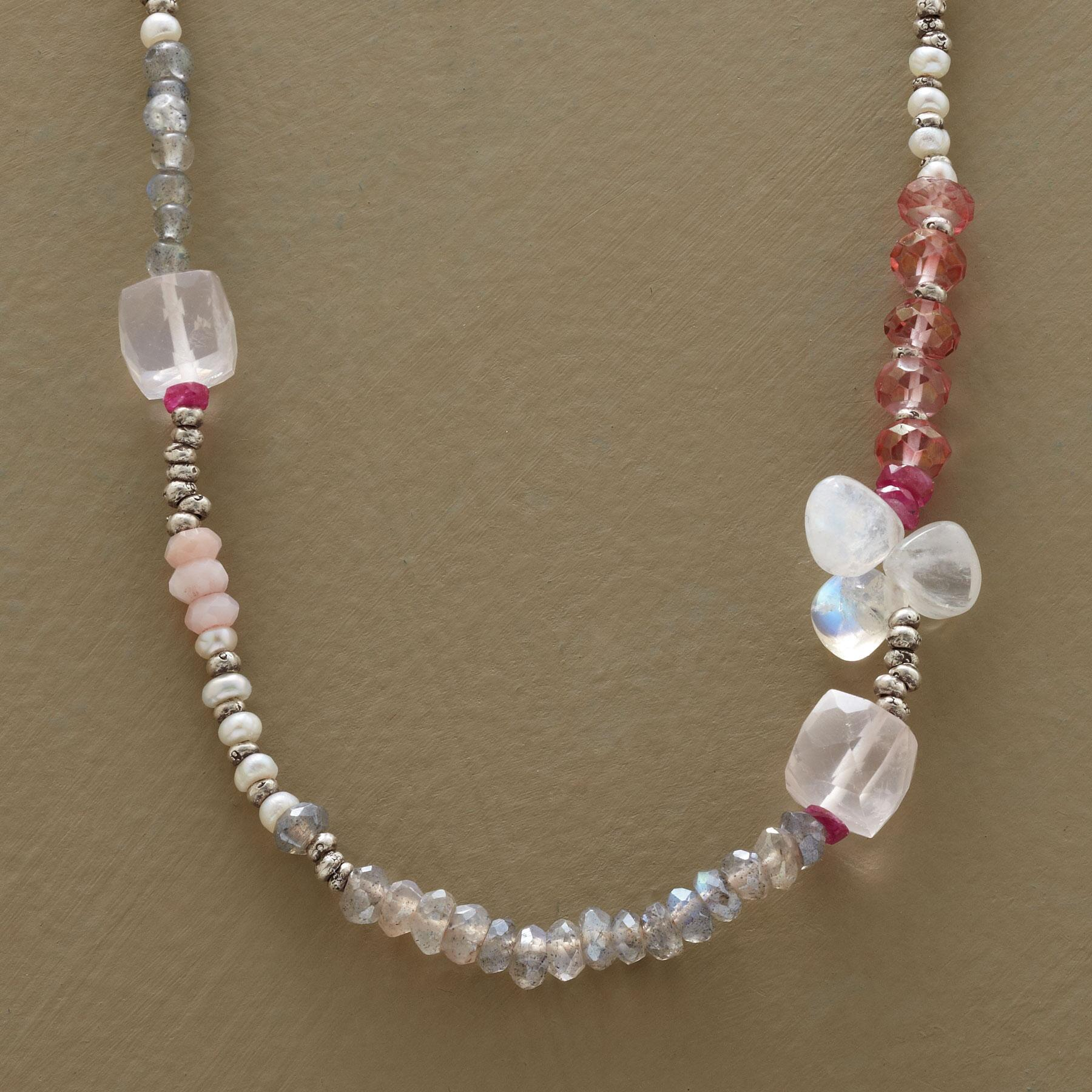 SOFT HUES NECKLACE: View 1