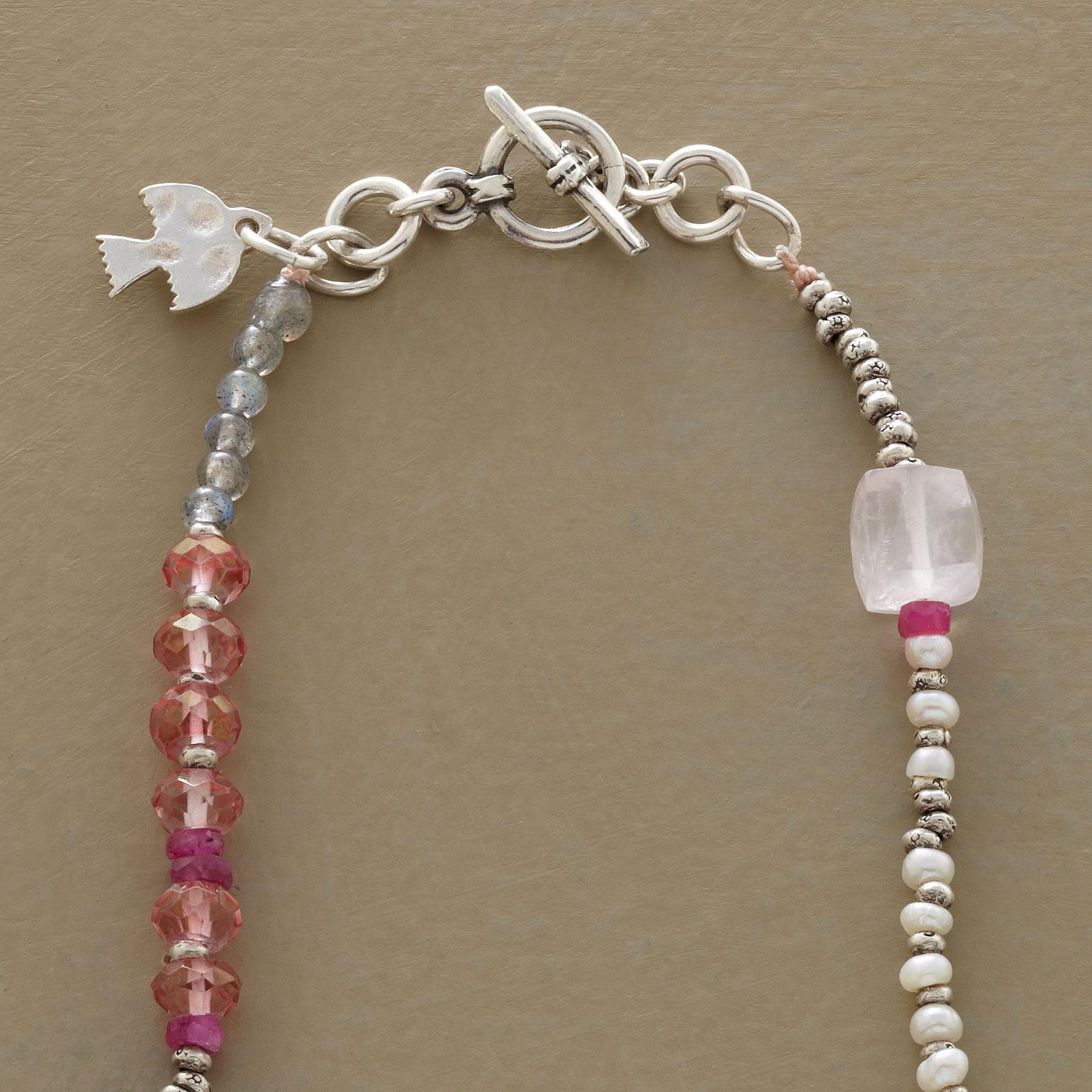 SOFT HUES NECKLACE: View 3