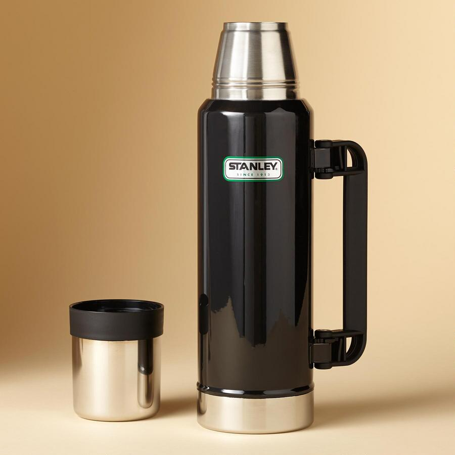 MODERN CLASSIC 1.4 QT. STANLEY THERMOS
