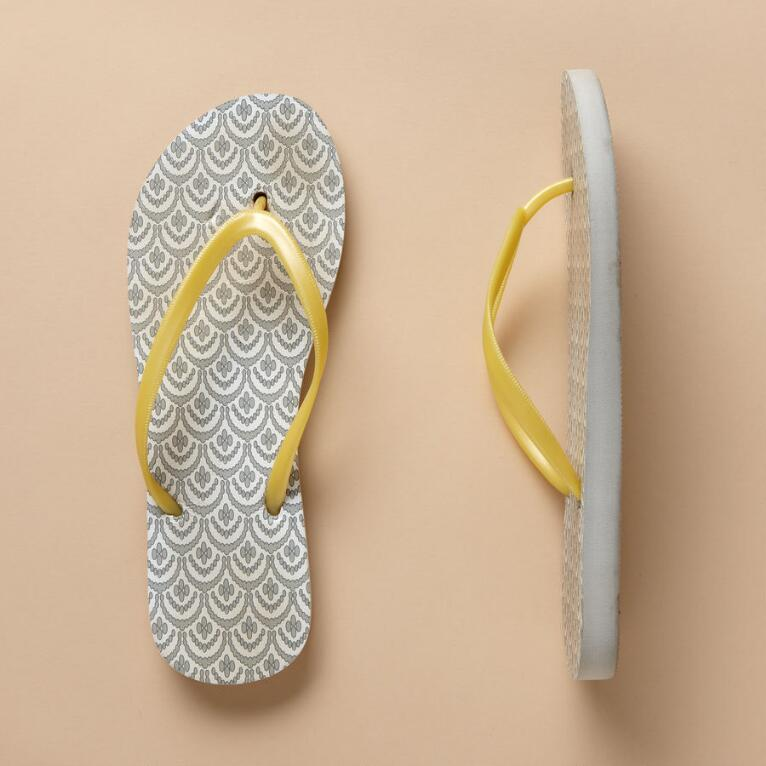 SHELL PATTERNED FLIP FLOPS