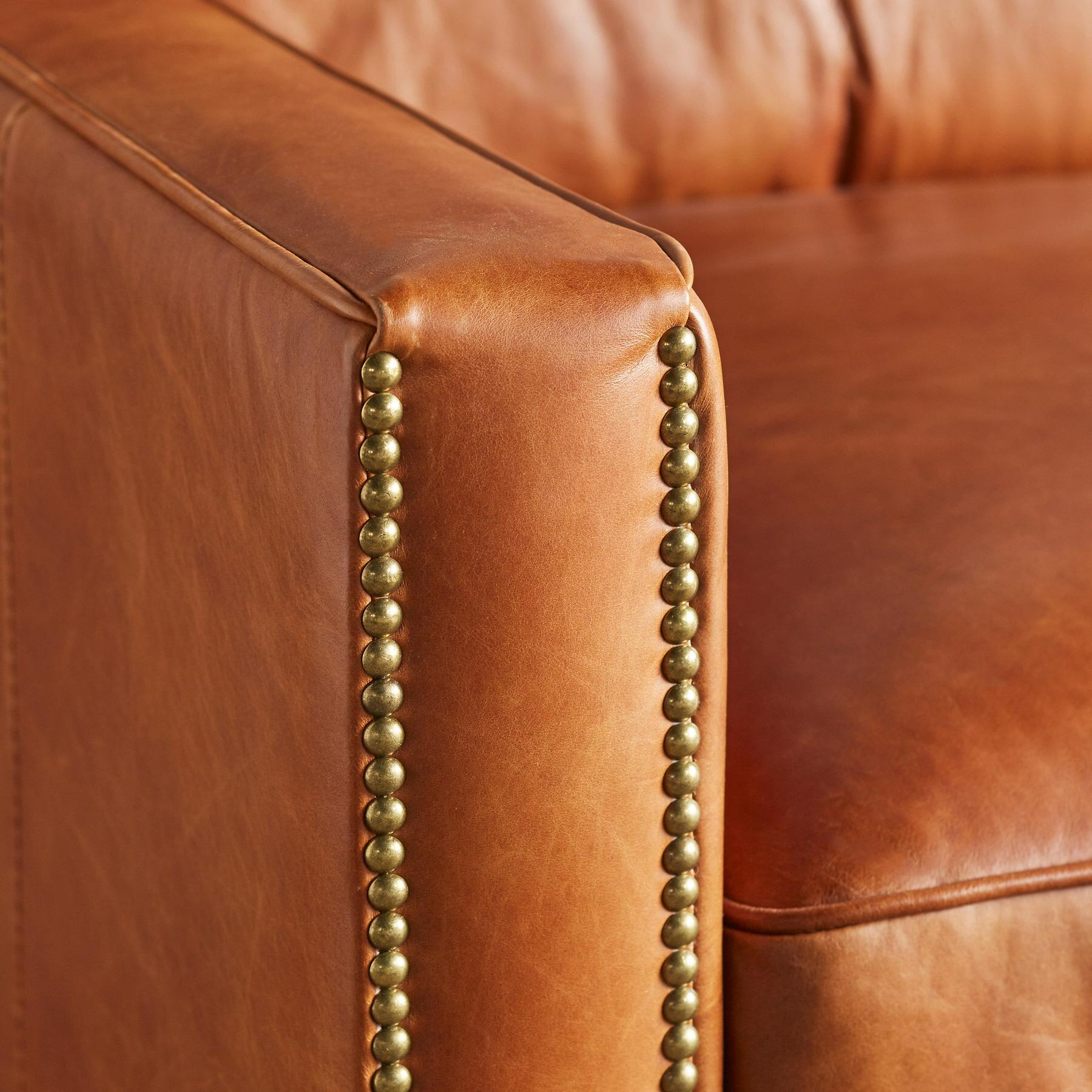 OAKVILLE LEATHER CLUB CHAIR: View 3