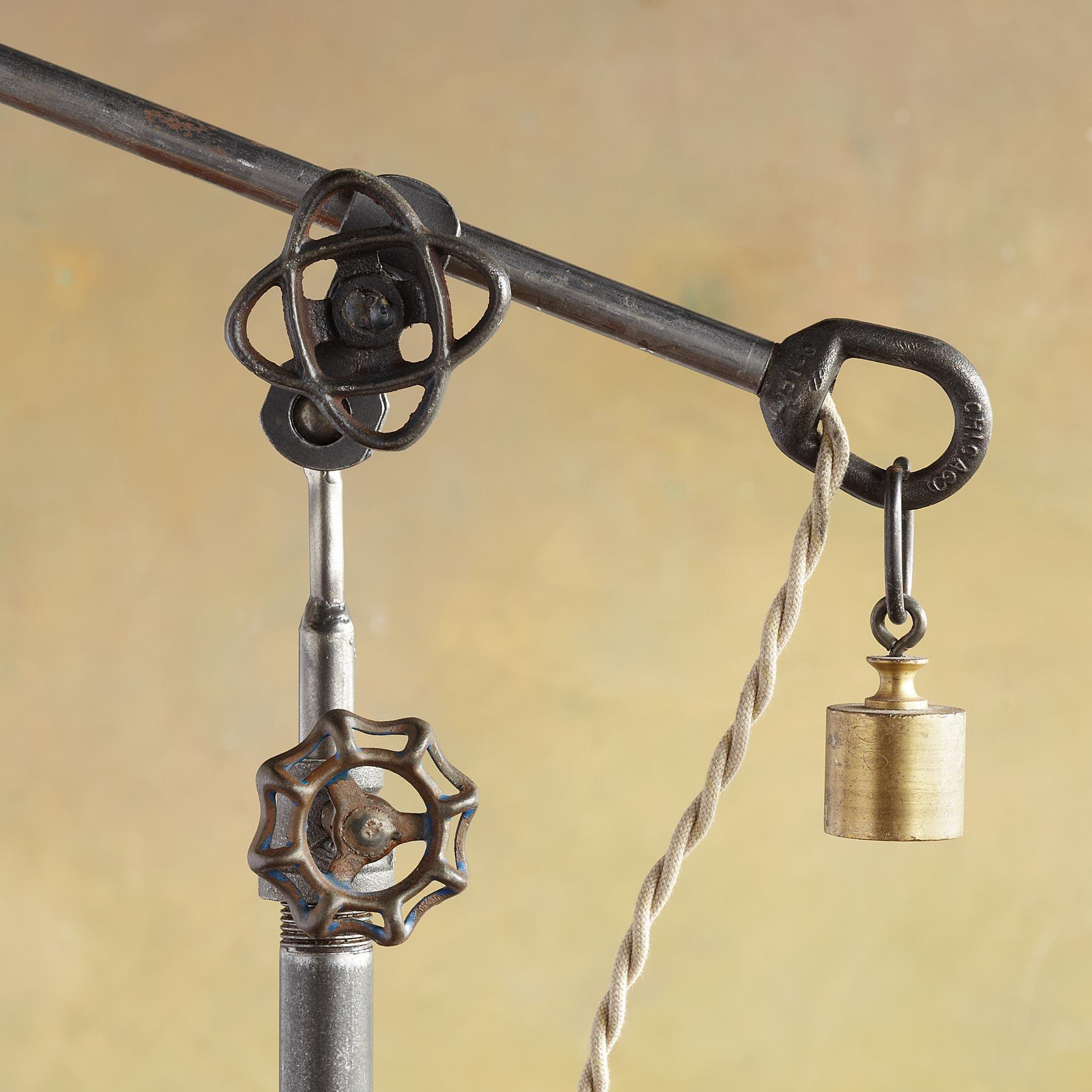 MIRRORED SHADE LAMP: View 3