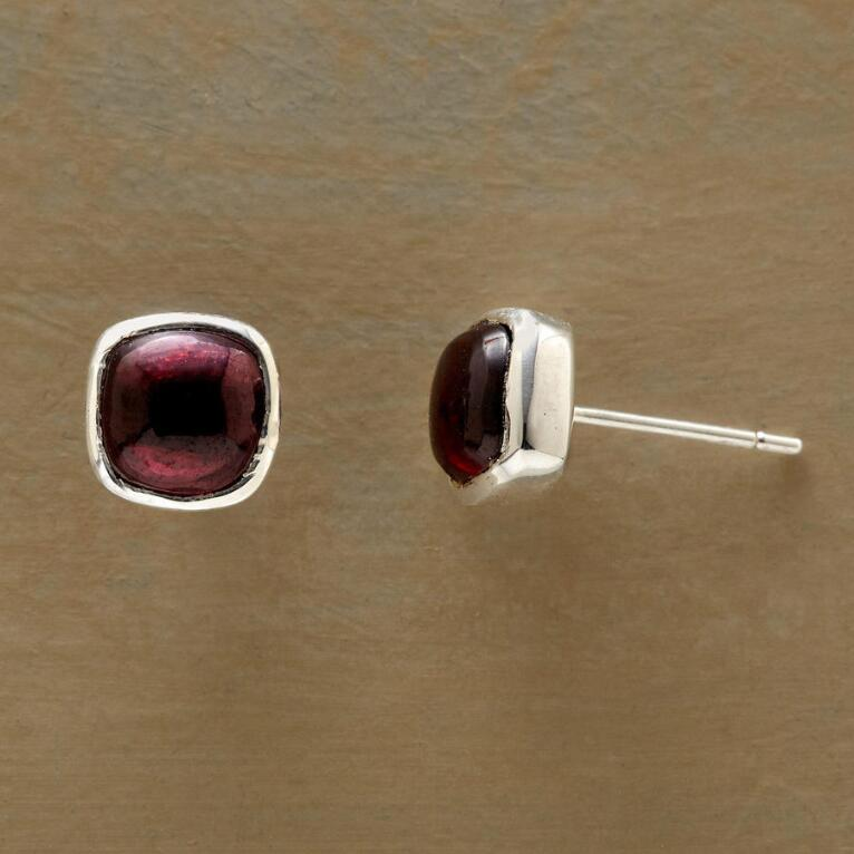 BERRY SQUARES EARRINGS