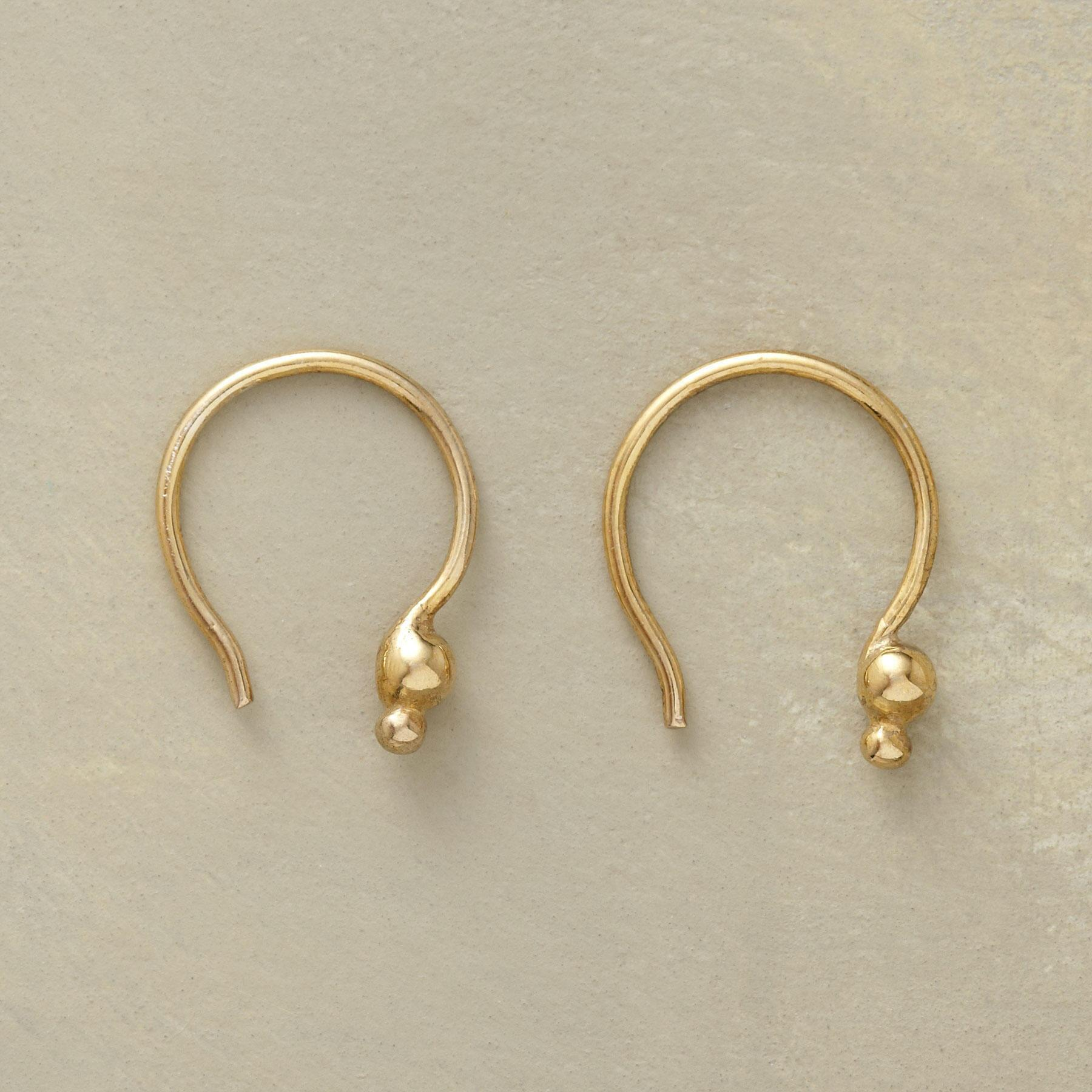 18KT GOLD PLATE DOUBLE DOT EARRINGS: View 1