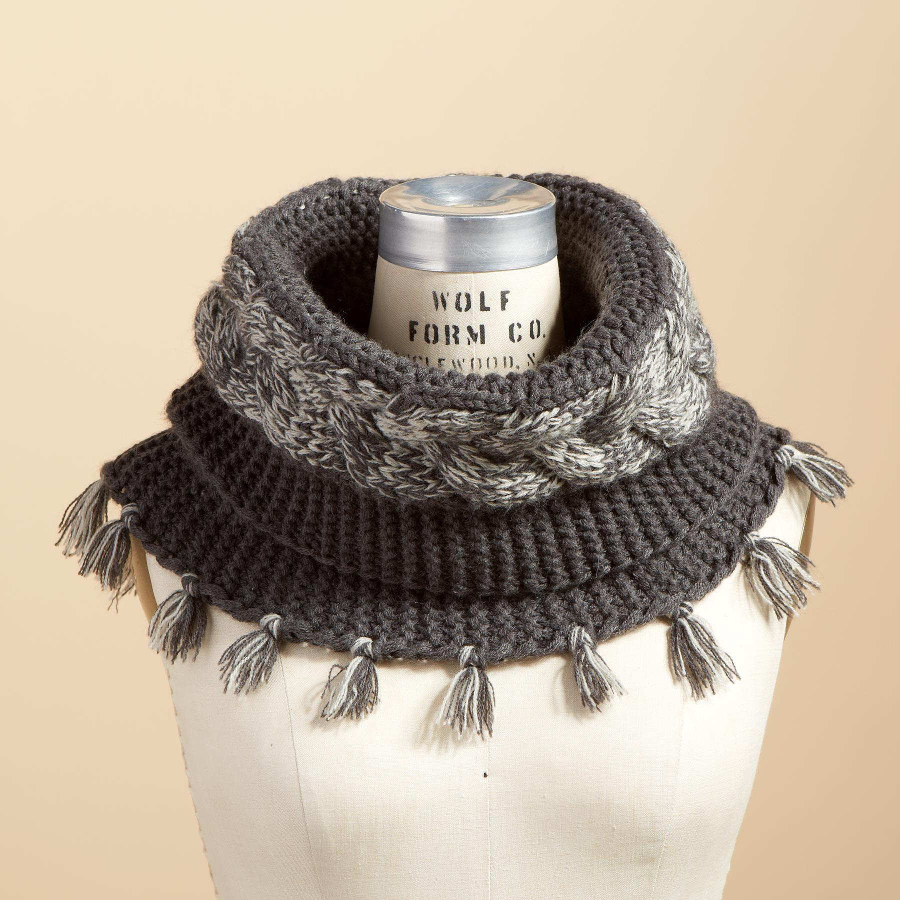 SILVERSTONE KNIT COLLAR: View 1