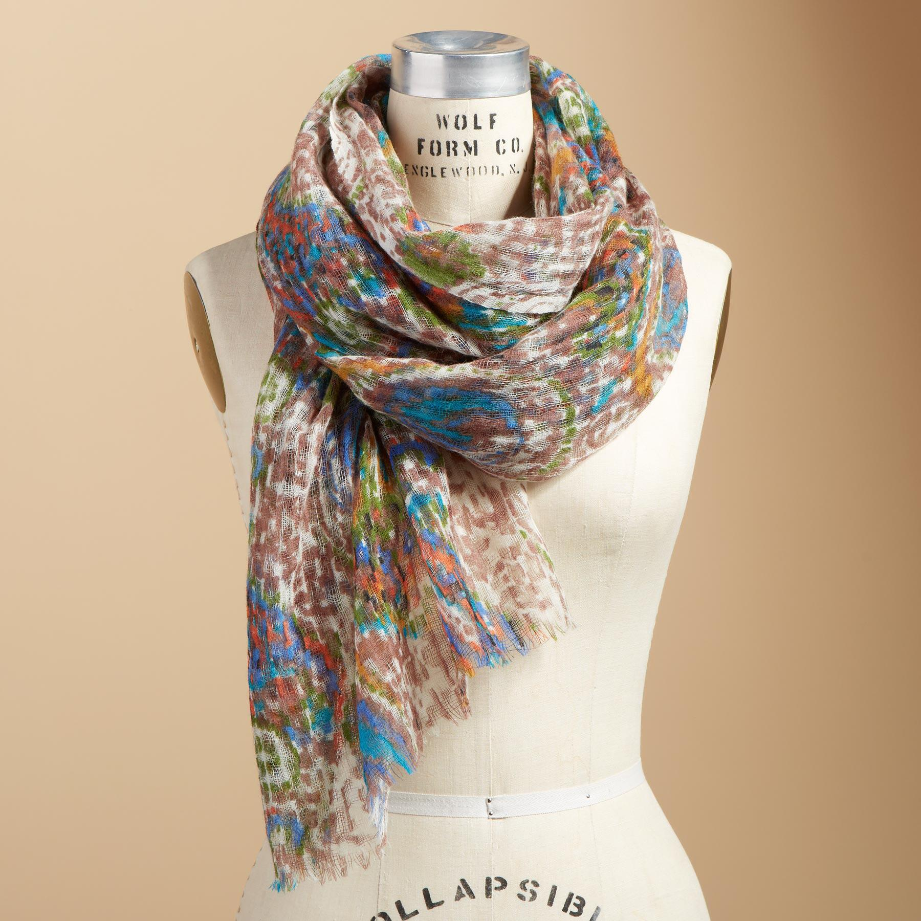 WINTER BLOOMS SCARF: View 1
