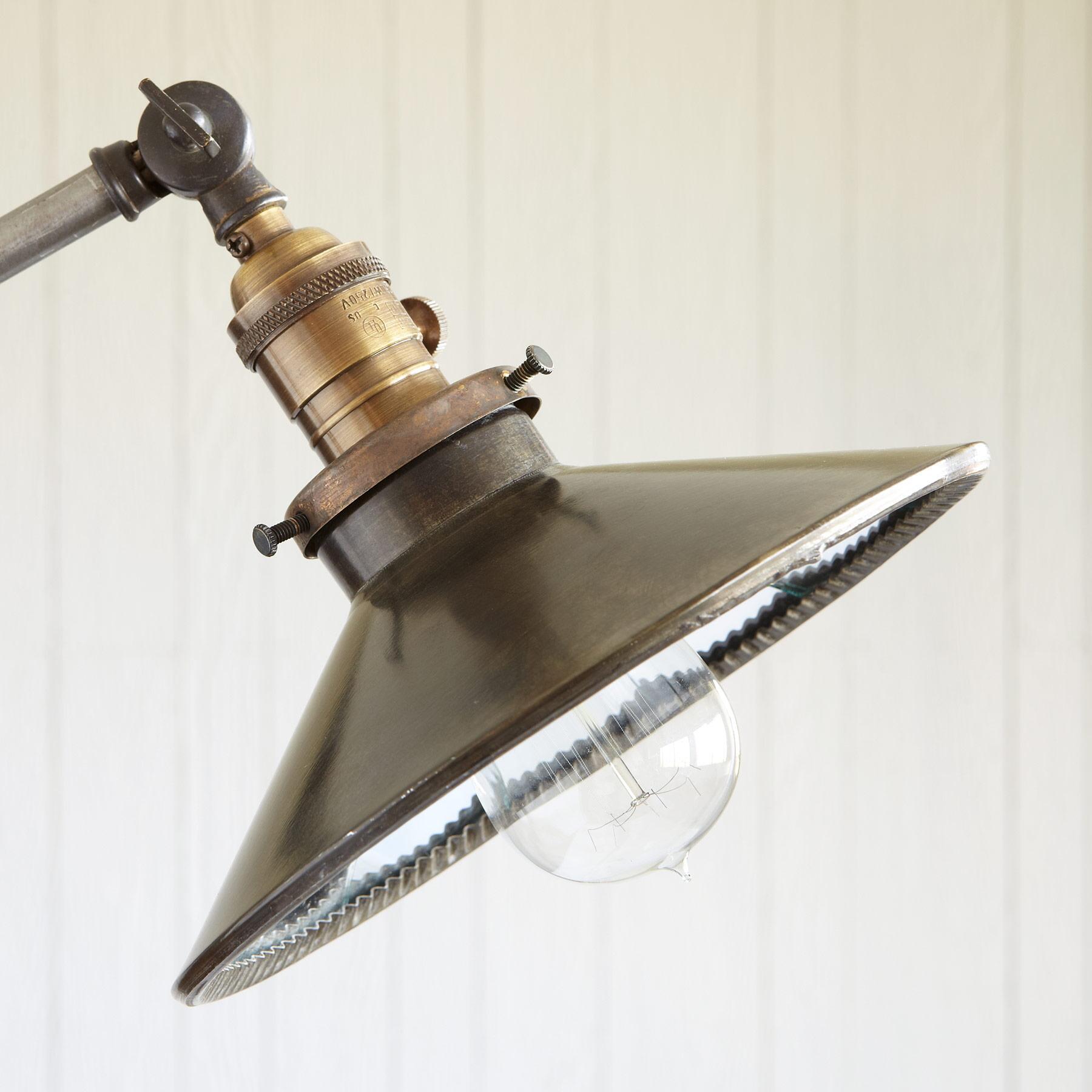 PORTOBELLO ROAD LAMP: View 2