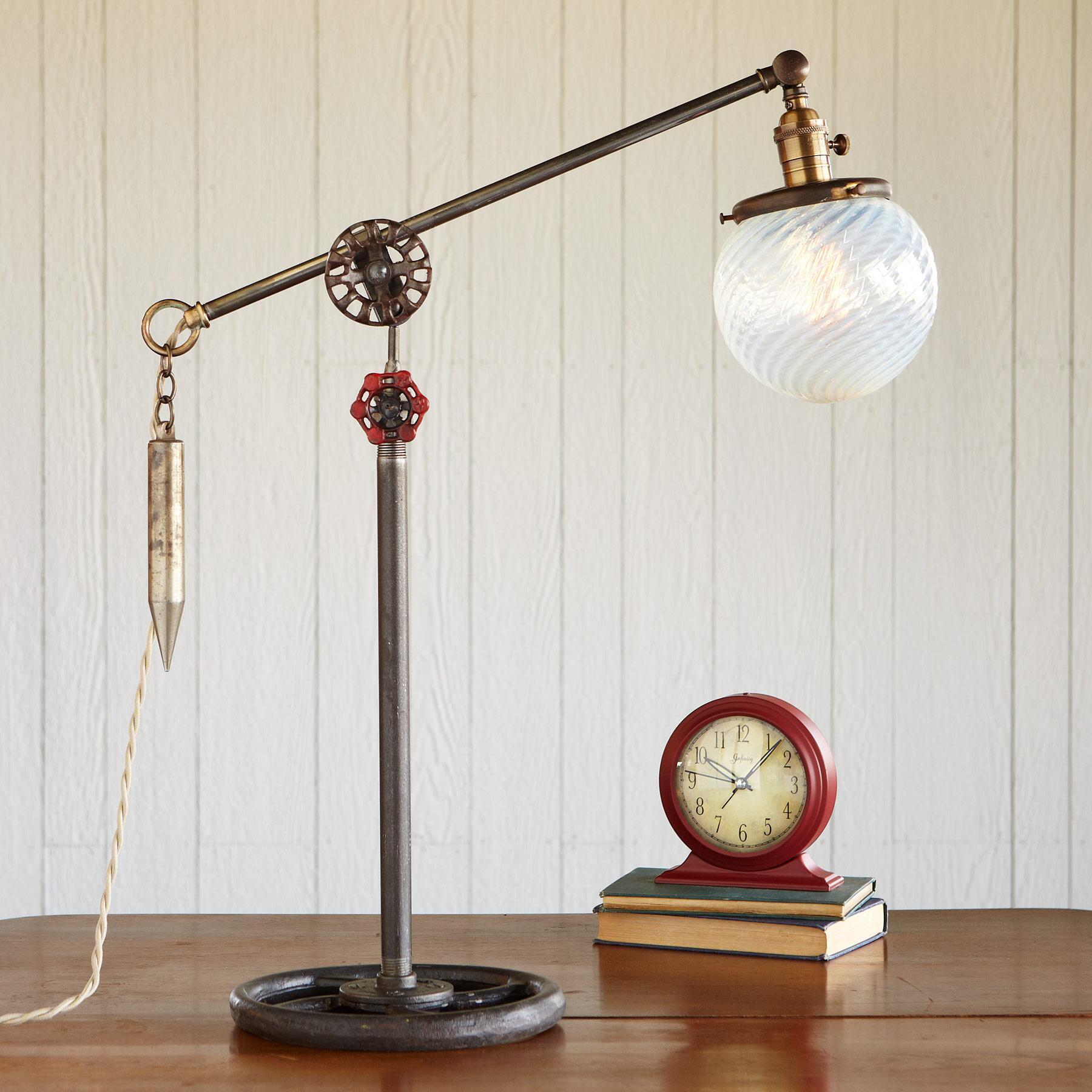 BERMONDSEY MARKET LAMP: View 1