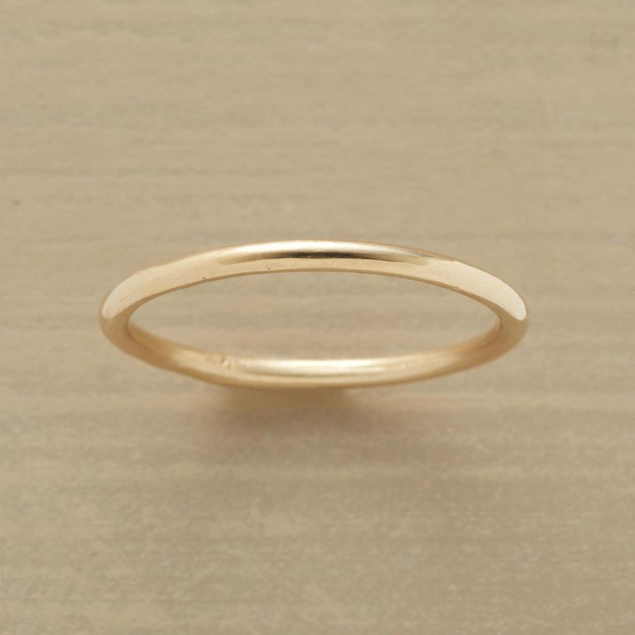 PLAIN PERFECTION RING